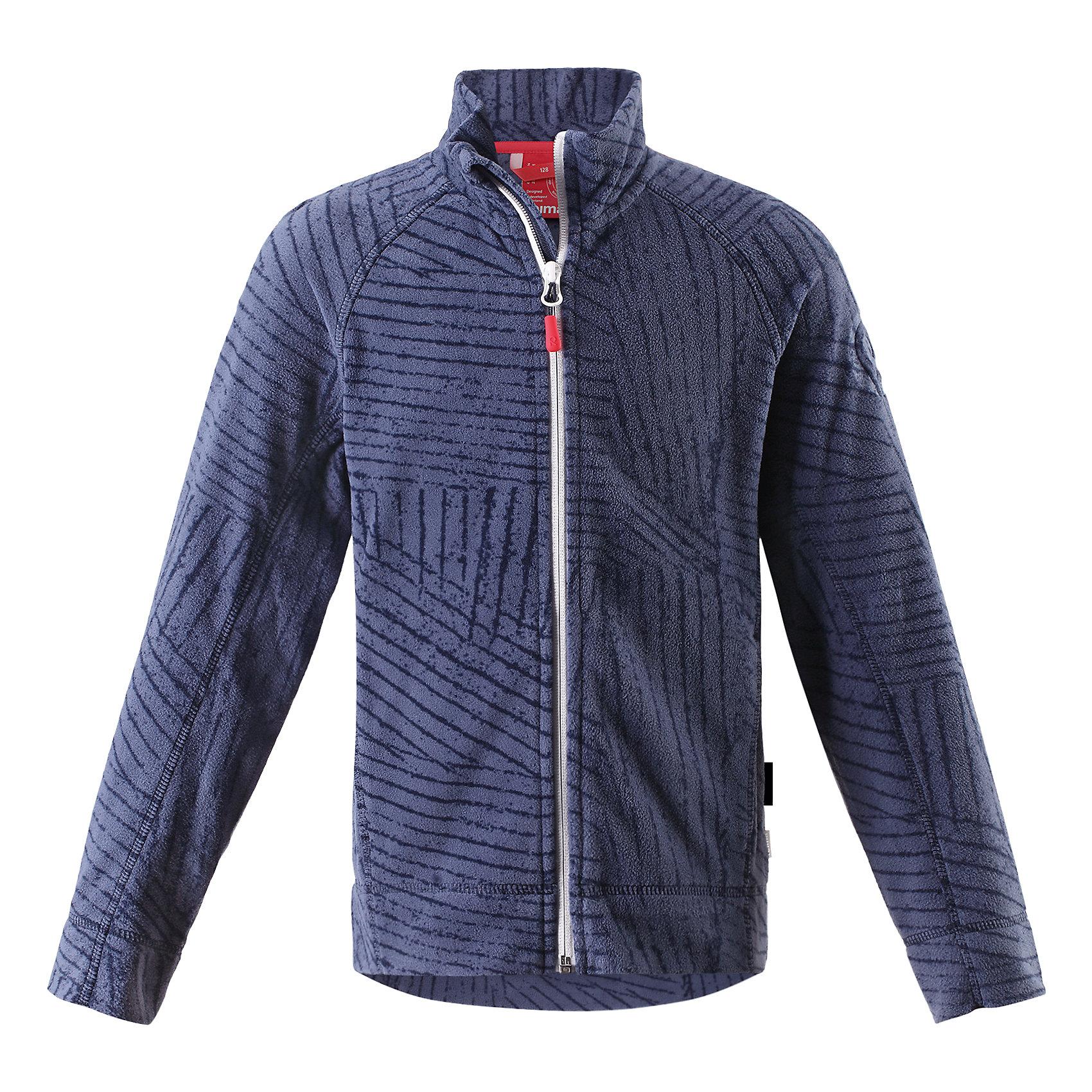 Куртка Poiju флисовая для мальчика ReimaФлис и термобелье<br>Характеристики товара:<br><br>• цвет: синий<br>• состав: 100% полиэстер<br>• теплый, легкий и быстросохнущий микрофлис<br>• молния во всю длину со вставкой для защиты подбородка<br>• приятная на ощупь ткань<br>• два боковых кармана<br>• комфортная посадка<br>• с отделкой горячим тиснением<br>• страна производства: Китай<br>• страна бренда: Финляндия<br>• коллекция: весна-лето 2017<br><br>Одежда для детей может быть модной и комфортной одновременно! Удобная курточка поможет обеспечить ребенку комфорт и тепло. Изделие сшито из микрофлиса - мягкого и теплого материала, приятного на ощупь. Модель стильно смотрится, отлично сочетается с различным низом. Стильный дизайн разрабатывался специально для детей.<br><br>Одежда и обувь от финского бренда Reima пользуется популярностью во многих странах. Эти изделия стильные, качественные и удобные. Для производства продукции используются только безопасные, проверенные материалы и фурнитура. Порадуйте ребенка модными и красивыми вещами от Reima! <br><br>Куртку флисовую для мальчика от финского бренда Reima (Рейма) можно купить в нашем интернет-магазине.<br><br>Ширина мм: 356<br>Глубина мм: 10<br>Высота мм: 245<br>Вес г: 519<br>Цвет: синий<br>Возраст от месяцев: 48<br>Возраст до месяцев: 60<br>Пол: Мужской<br>Возраст: Детский<br>Размер: 104,116,122,128,134,146,152,158,140,110<br>SKU: 5267431