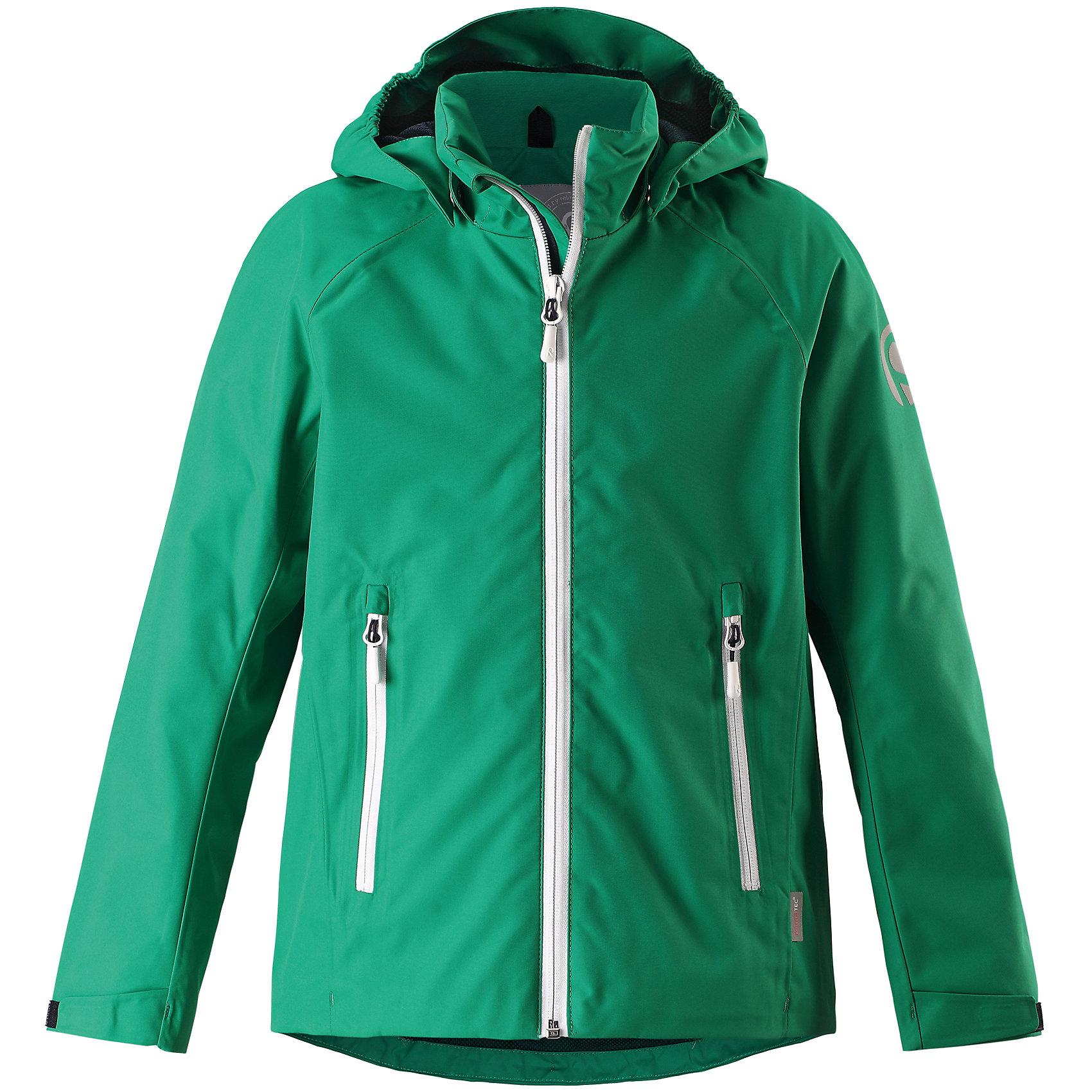 Куртка Suisto для мальчика Reimatec® ReimaОдежда<br>Характеристики товара:<br><br>• цвет: зеленый<br>• состав: 100% полиэстер, полиуретановое покрытие<br>• температурный режим: от +10°до +20°С<br>• водонепроницаемость: 15000 мм<br>• воздухопроницаемость: 5000 мм<br>• износостойкость: 40000 циклов (тест Мартиндейла)<br>• без утеплителя<br>• швы проклеены и водонепроницаемы<br>• водо- и ветронепроницаемый «дышащий» материал<br>• подкладка: mesh-сетка<br>• безопасный съёмный и регулируемый капюшон<br>• усовершенствованная молния - больше не застрянет!<br>• регулируемый подол<br>• контрастные цветные застежки-молнии<br>• карманы на молнии<br>• комфортная посадка<br>• страна производства: Китай<br>• страна бренда: Финляндия<br>• коллекция: весна-лето 2017<br><br>Верхняя одежда для детей может быть модной и комфортной одновременно! Демисезонная куртка поможет обеспечить ребенку комфорт и тепло. Она отлично смотрится с различной одеждой и обувью. Изделие удобно сидит и модно выглядит. Материал - прочный, хорошо подходящий для межсезонья. Стильный дизайн разрабатывался специально для детей.<br><br>Одежда и обувь от финского бренда Reima пользуется популярностью во многих странах. Эти изделия стильные, качественные и удобные. Для производства продукции используются только безопасные, проверенные материалы и фурнитура. Порадуйте ребенка модными и красивыми вещами от Reima! <br><br>Куртку для мальчика Reimatec® от финского бренда Reima (Рейма) можно купить в нашем интернет-магазине.<br><br>Ширина мм: 356<br>Глубина мм: 10<br>Высота мм: 245<br>Вес г: 519<br>Цвет: зеленый<br>Возраст от месяцев: 60<br>Возраст до месяцев: 72<br>Пол: Мужской<br>Возраст: Детский<br>Размер: 116,152,146,134,122,158,140,110,128,164,104<br>SKU: 5267652