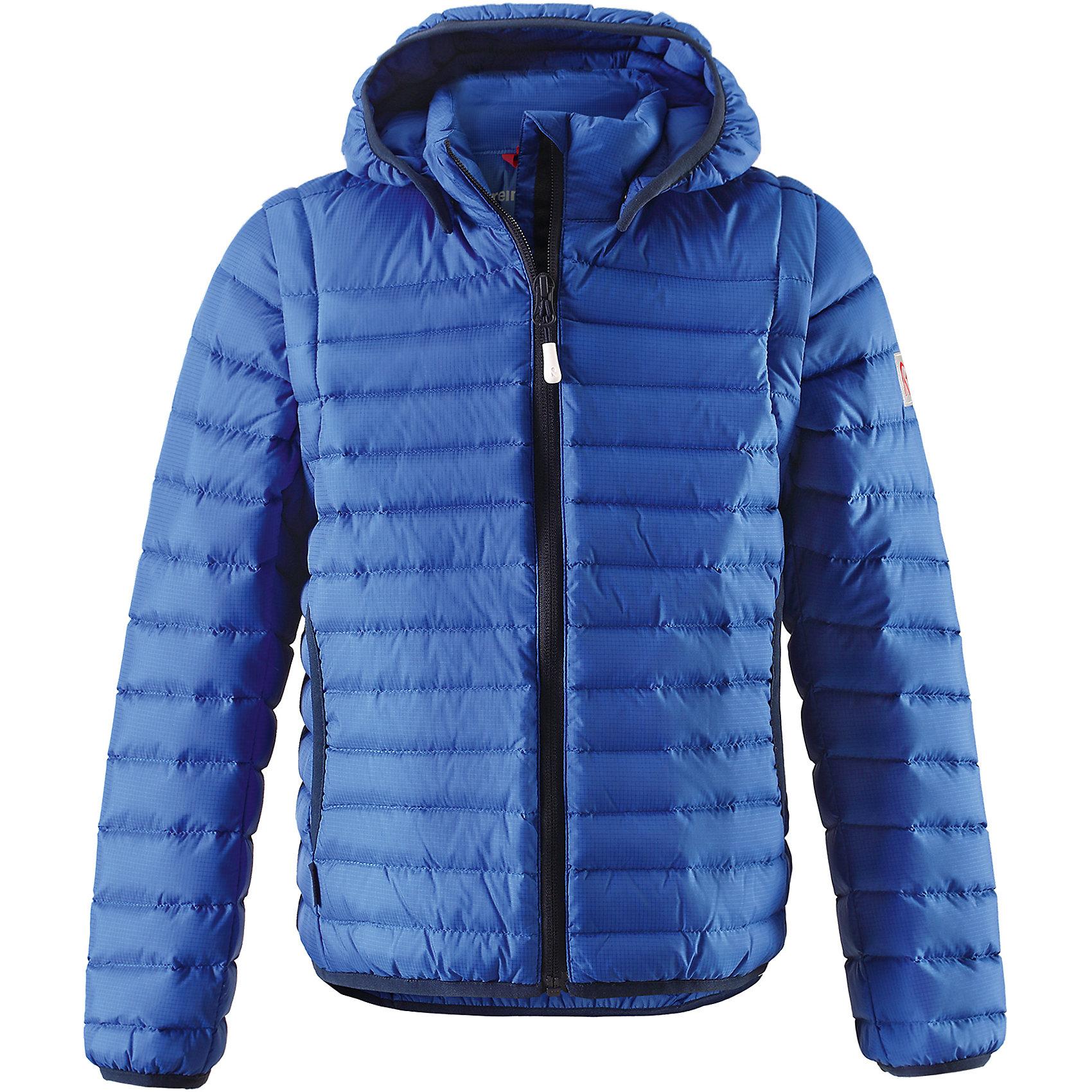 Куртка Fleet для мальчика ReimaОдежда<br>Характеристики товара:<br><br>• цвет: синий<br>• состав: 100% полиамид<br>• температурный режим: от 0°до +10°С<br>• легкий утеплитель: пух, перо 80/20<br>• износостойкость: 30000 (тест Мартиндейла)<br>• швы проклеены и водонепроницаемы<br>• ветронепроницаемый «дышащий» материал<br>• водоотталкивающий верх<br>• эластичная сборка по краю капюшона, на манжетах и на подоле<br>• отстегивающиеся рукава на молнии<br>• безопасный съёмный капюшон<br>• усовершенствованная молния - ни один зубчик больше не застрянет!<br>• два боковых кармана<br>• светоотражающие детали<br>• комфортная посадка<br>• страна производства: Китай<br>• страна бренда: Финляндия<br>• коллекция: весна-лето 2017<br><br>Верхняя одежда для детей может быть модной и комфортной одновременно! Демисезонная куртка поможет обеспечить ребенку комфорт и тепло. Она отлично смотрится с различной одеждой и обувью. Изделие удобно сидит и модно выглядит. Материал - прочный, хорошо подходящий для межсезонья. Стильный дизайн разрабатывался специально для детей.<br><br>Одежда и обувь от финского бренда Reima пользуется популярностью во многих странах. Эти изделия стильные, качественные и удобные. Для производства продукции используются только безопасные, проверенные материалы и фурнитура. Порадуйте ребенка модными и красивыми вещами от Reima! <br><br>Куртку для мальчика Reimatec® от финского бренда Reima (Рейма) можно купить в нашем интернет-магазине.<br><br>Ширина мм: 356<br>Глубина мм: 10<br>Высота мм: 245<br>Вес г: 519<br>Цвет: синий<br>Возраст от месяцев: 84<br>Возраст до месяцев: 96<br>Пол: Мужской<br>Возраст: Детский<br>Размер: 128,164,158,152,146,140,134,116,122,110,104<br>SKU: 5267700