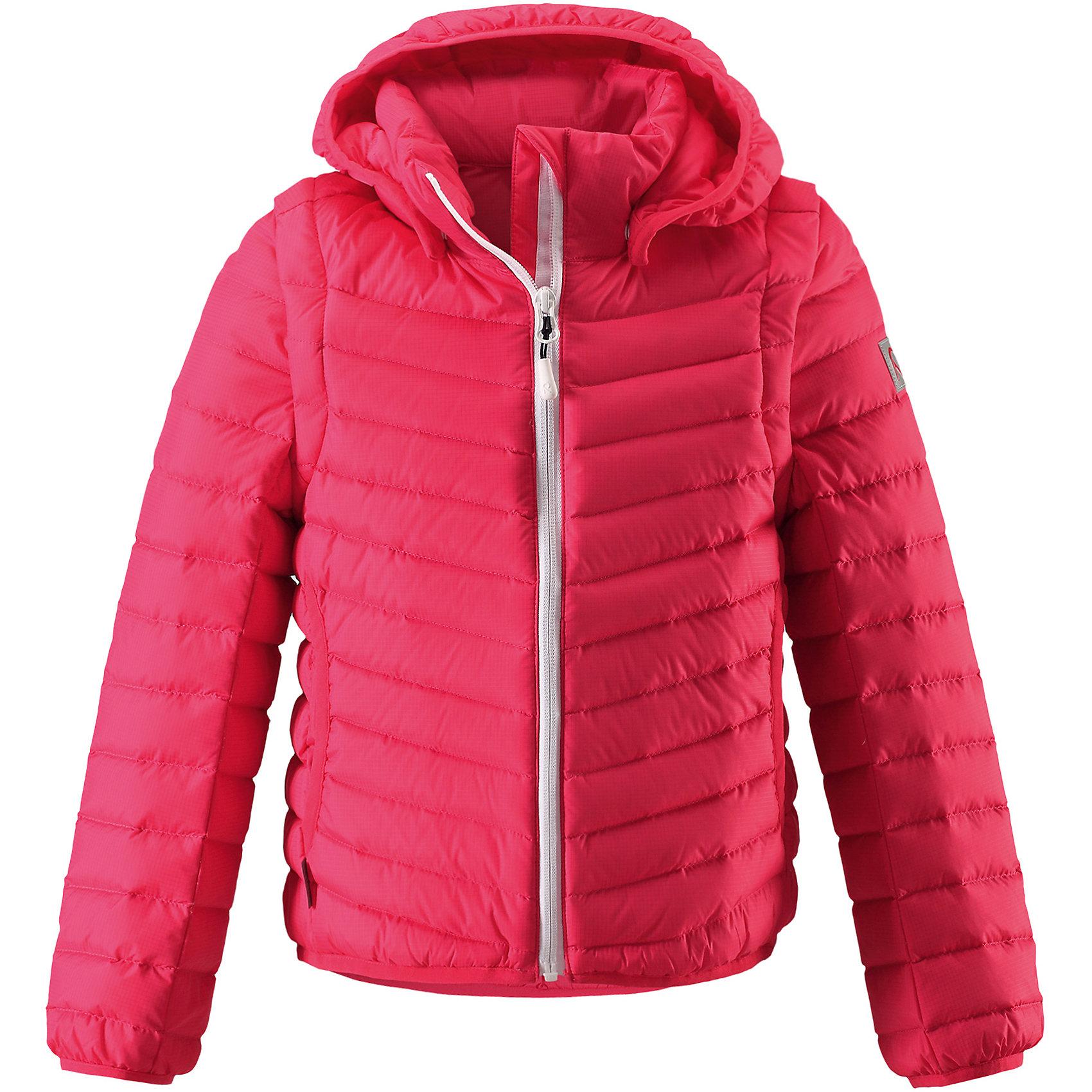 Куртка для девочки ReimaКуртка для девочки от финского бренда Reima.<br>Пуховая куртка для подростков. Из ветронепроницаемого материала, но изделие «дышит». Легкий водоотталкивающий и «дышащий» материал. Крой для девочек. В качестве утеплителя использованы пух и перо (80/20). Легкая степень утепления. Безопасный, съемный капюшон. Эластичная резинка на кромке капюшона, манжетах и подоле. Отстегивающиеся рукава на молнии. Новая усовершенствованная молния — больше не застревает! Два боковых кармана.<br>Состав:<br>100% Полиамид<br><br>Уход:<br>Стирать по отдельности. Перед стиркой отстегните искусственный мех. Застегнуть молнии и липучки. Стирать моющим средством, не содержащим отбеливающие вещества. Полоскать без специального средства. Во избежание изменения цвета изделие необходимо вынуть из стиральной машинки незамедлительно после окончания программы стирки. Барабанное сушение при низкой температуре с 3 теннисными мячиками. Выверните изделие наизнанку в середине сушки.<br><br>Ширина мм: 356<br>Глубина мм: 10<br>Высота мм: 245<br>Вес г: 519<br>Цвет: розовый<br>Возраст от месяцев: 84<br>Возраст до месяцев: 96<br>Пол: Женский<br>Возраст: Детский<br>Размер: 128,122,116,104,164,152,110,146,158,140,134<br>SKU: 5267712
