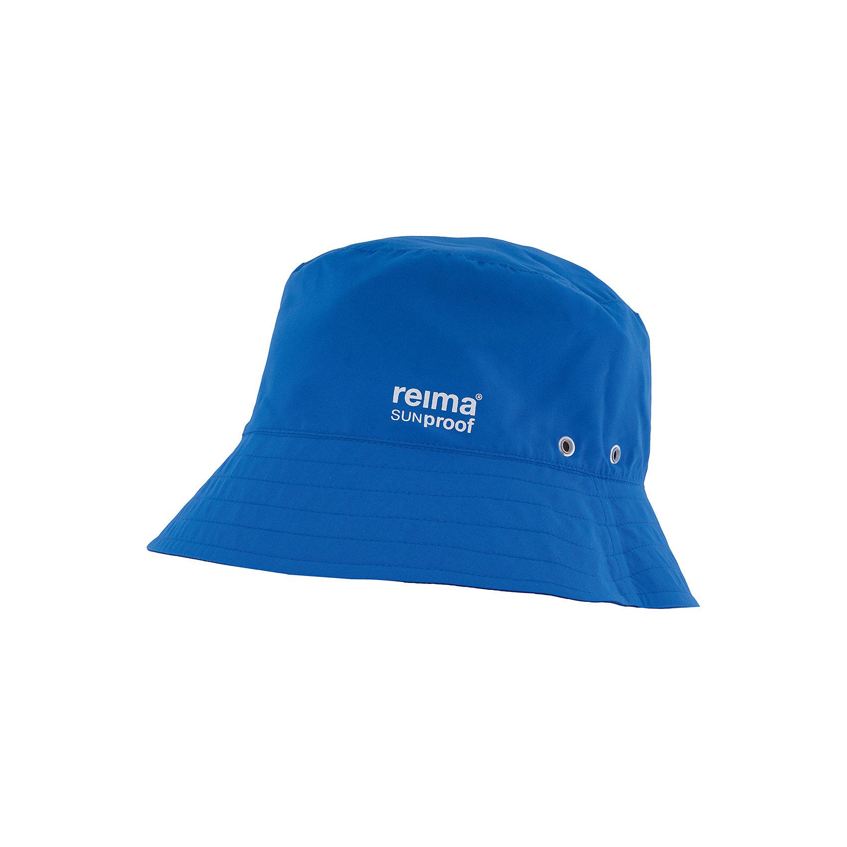 Панама Viehe ReimaШапки и шарфы<br>Характеристики товара:<br><br>• цвет: синий/голубой<br>• состав: 100% полиэстер<br>• защитный козырек<br>• двухсторонняя<br>• принт<br>• декоративный логотип<br>• фактор защиты от ультрафиолета: 50+<br>• комфортная посадка<br>• страна производства: Китай<br>• страна бренда: Финляндия<br>• коллекция: весна-лето 2017<br><br>Детский головной убор может быть модным и удобным одновременно! Стильная панама поможет обеспечить ребенку комфорт и дополнить наряд. Она отлично смотрится с различной одеждой. Панама удобно сидит и аккуратно выглядит. Проста в уходе, долго служит. Стильный дизайн разрабатывался специально для детей. Отличная защита от солнца!<br><br>Одежда и обувь от финского бренда Reima пользуется популярностью во многих странах. Эти изделия стильные, качественные и удобные. Для производства продукции используются только безопасные, проверенные материалы и фурнитура. Порадуйте ребенка модными и красивыми вещами от Reima! <br><br>Панаму для мальчика от финского бренда Reima (Рейма) можно купить в нашем интернет-магазине.<br><br>Ширина мм: 89<br>Глубина мм: 117<br>Высота мм: 44<br>Вес г: 155<br>Цвет: синий<br>Возраст от месяцев: 48<br>Возраст до месяцев: 84<br>Пол: Унисекс<br>Возраст: Детский<br>Размер: 54,50,52,56,48<br>SKU: 5267874