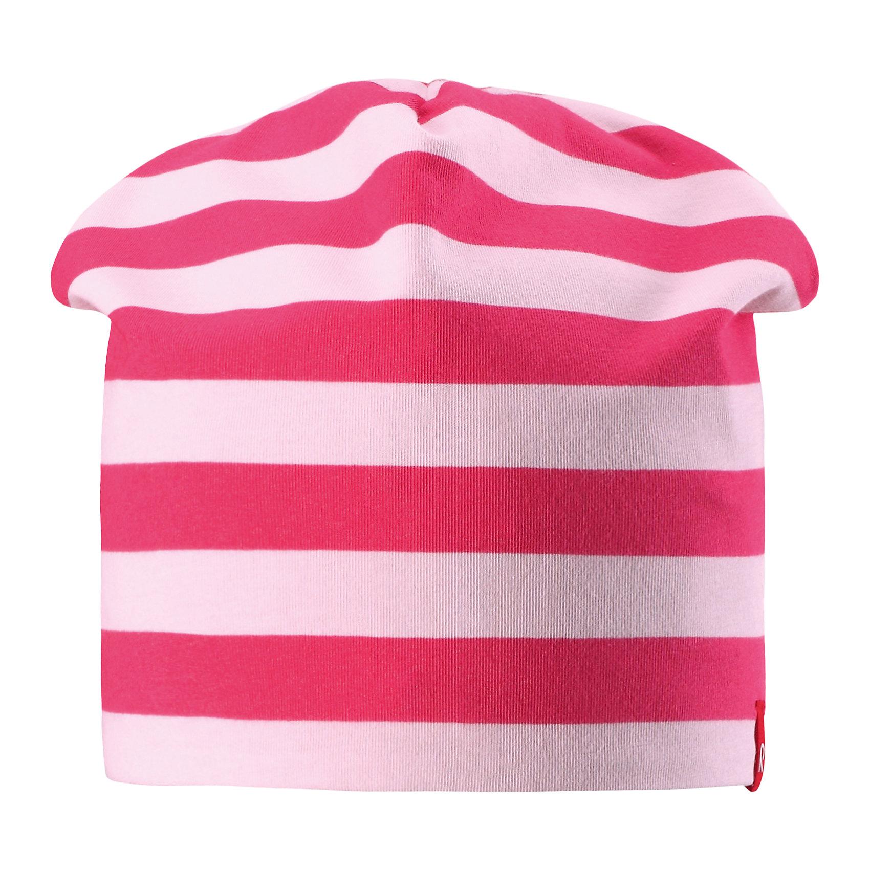 Шапка для девочки ReimaШапки и шарфы<br>Характеристики товара:<br><br>• цвет: розовый/светло-розовый<br>• быстросохнущий материал<br>• состав: 65% хлопок, 30% полиэстер, 5% эластан<br>• температурный режим: от +5°до +15°С<br>• эластичный материал<br>• сплошная подкладка: влаговыводящий трикотаж<br>• двухсторонняя<br>• отводящий влагу материал Play Jersey<br>• декоративный логотип<br>• фактор защиты от ультрафиолета: 40+<br>• комфортная посадка<br>• страна производства: Китай<br>• страна бренда: Финляндия<br>• коллекция: весна-лето 2017<br><br>Детский головной убор может быть модным и удобным одновременно! Стильная шапка поможет обеспечить ребенку комфорт и дополнить наряд. Она отлично смотрится с различной одеждой. Шапка удобно сидит и аккуратно выглядит. Проста в уходе, долго служит. Стильный дизайн разрабатывался специально для детей. Отличная защита от солнца!<br><br>Одежда и обувь от финского бренда Reima пользуется популярностью во многих странах. Эти изделия стильные, качественные и удобные. Для производства продукции используются только безопасные, проверенные материалы и фурнитура. Порадуйте ребенка модными и красивыми вещами от Reima! <br><br>Шапку для мальчика от финского бренда Reima (Рейма) можно купить в нашем интернет-магазине.<br><br>Ширина мм: 89<br>Глубина мм: 117<br>Высота мм: 44<br>Вес г: 155<br>Цвет: розовый<br>Возраст от месяцев: 48<br>Возраст до месяцев: 84<br>Пол: Женский<br>Возраст: Детский<br>Размер: 54,50<br>SKU: 5267919