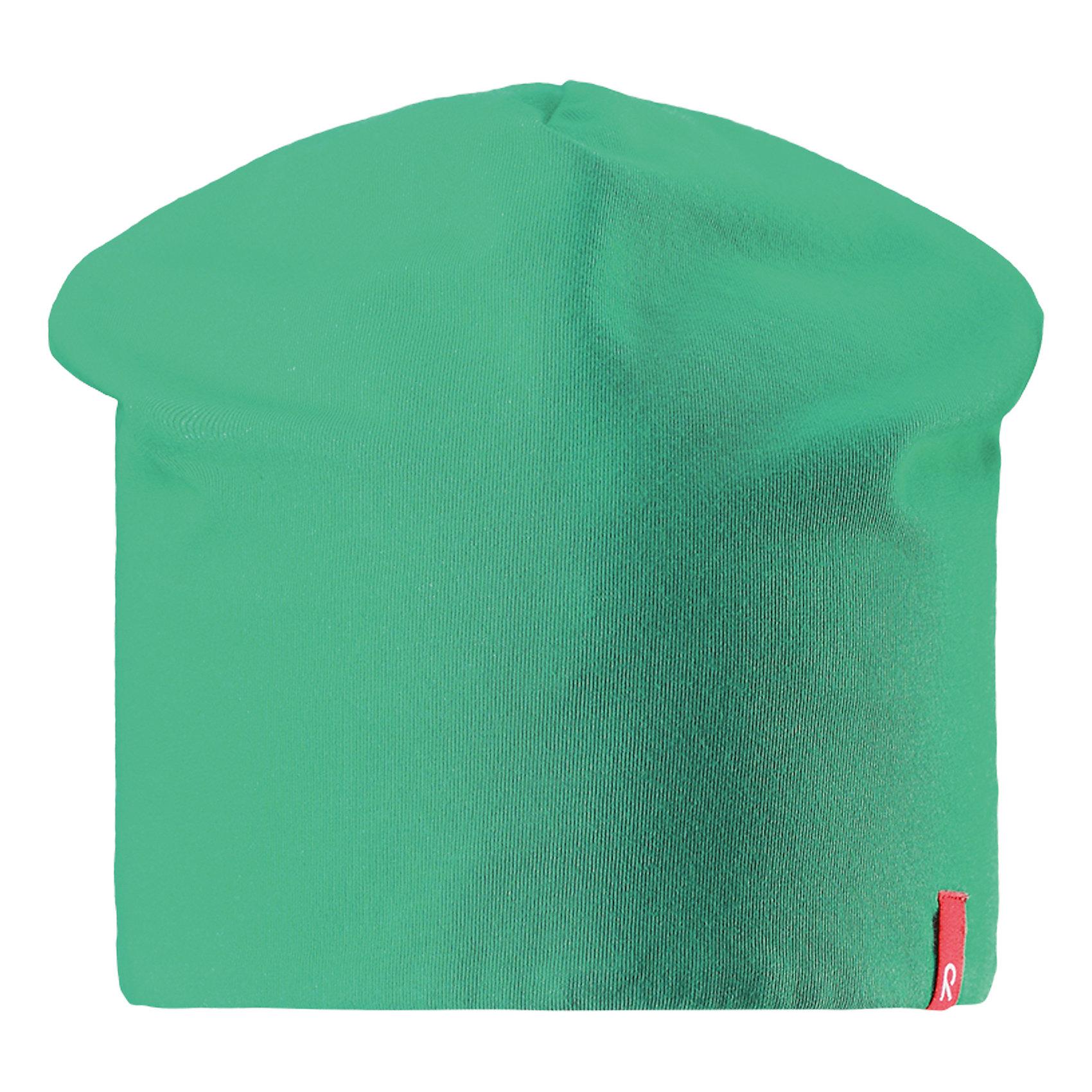 Шапка Lautta ReimaШапки и шарфы<br>Характеристики товара:<br><br>• цвет: зеленый/синий<br>• быстросохнущий материал<br>• состав: 65% хлопок, 30% полиэстер, 5% эластан<br>• эластичный материал<br>• двухсторонняя<br>• подкладка: отводящий влагу материал Play Jersey<br>• декоративный логотип<br>• фактор защиты от ультрафиолета: 40+<br>• комфортная посадка<br>• страна производства: Китай<br>• страна бренда: Финляндия<br>• коллекция: весна-лето 2017<br><br>Детский головной убор может быть модным и удобным одновременно! Стильная шапка поможет обеспечить ребенку комфорт и дополнить наряд. Она отлично смотрится с различной одеждой. Шапка удобно сидит и аккуратно выглядит. Проста в уходе, долго служит. Стильный дизайн разрабатывался специально для детей. Отличная защита от солнца!<br><br>Одежда и обувь от финского бренда Reima пользуется популярностью во многих странах. Эти изделия стильные, качественные и удобные. Для производства продукции используются только безопасные, проверенные материалы и фурнитура. Порадуйте ребенка модными и красивыми вещами от Reima! <br><br>Шапку от финского бренда Reima (Рейма) можно купить в нашем интернет-магазине.<br><br>Ширина мм: 89<br>Глубина мм: 117<br>Высота мм: 44<br>Вес г: 155<br>Цвет: зеленый<br>Возраст от месяцев: 18<br>Возраст до месяцев: 36<br>Пол: Унисекс<br>Возраст: Детский<br>Размер: 50,54<br>SKU: 5267925
