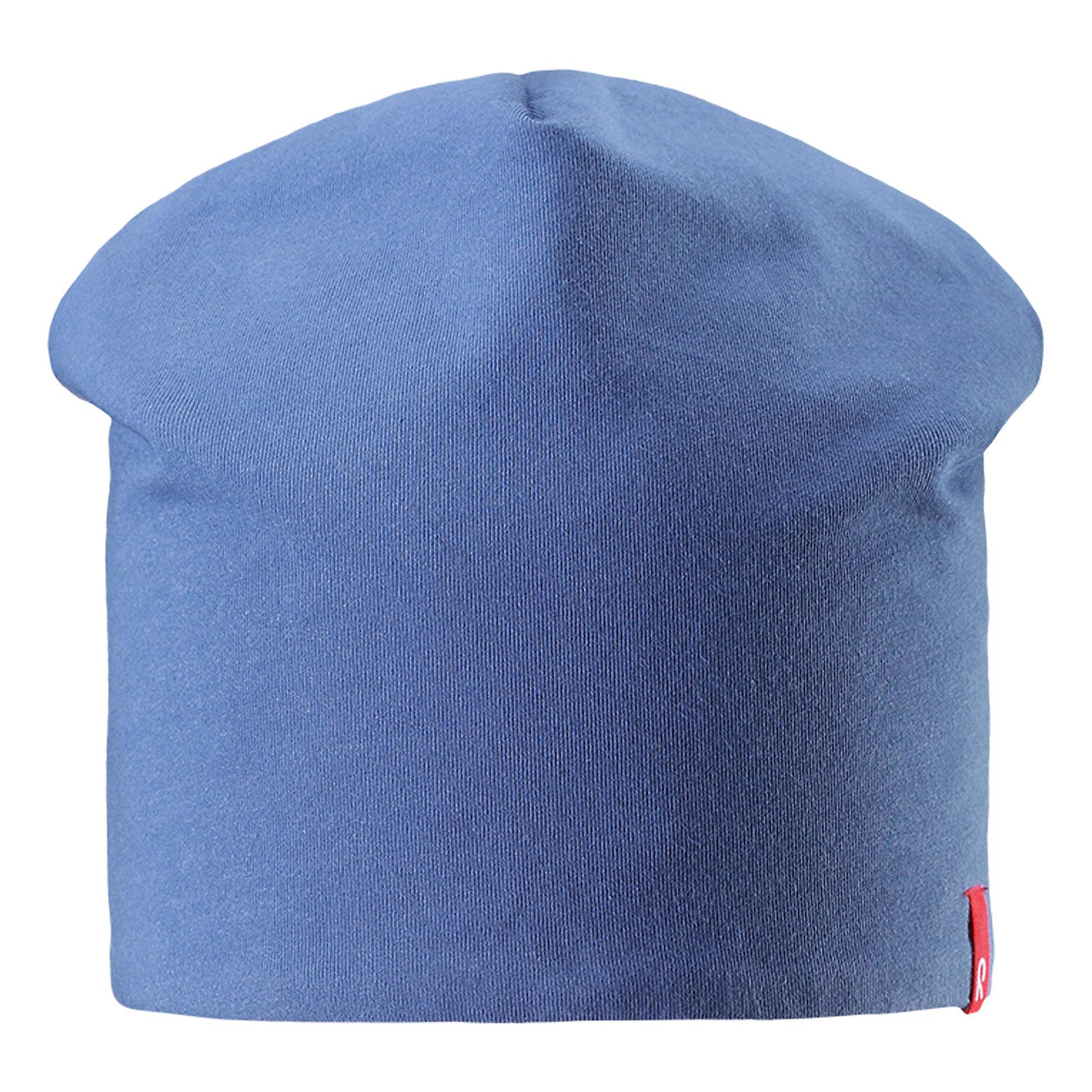 Шапка Lautta ReimaШапки и шарфы<br>Характеристики товара:<br><br>• цвет: голубой/темно-синий<br>• быстросохнущий материал<br>• состав: 65% хлопок, 30% полиэстер, 5% эластан<br>• эластичный материал<br>• двухсторонняя<br>• подкладка: отводящий влагу материал Play Jersey<br>• декоративный логотип<br>• фактор защиты от ультрафиолета: 40+<br>• комфортная посадка<br>• страна производства: Китай<br>• страна бренда: Финляндия<br>• коллекция: весна-лето 2017<br><br>Детский головной убор может быть модным и удобным одновременно! Стильная шапка поможет обеспечить ребенку комфорт и дополнить наряд. Она отлично смотрится с различной одеждой. Шапка удобно сидит и аккуратно выглядит. Проста в уходе, долго служит. Стильный дизайн разрабатывался специально для детей. Отличная защита от солнца!<br><br>Одежда и обувь от финского бренда Reima пользуется популярностью во многих странах. Эти изделия стильные, качественные и удобные. Для производства продукции используются только безопасные, проверенные материалы и фурнитура. Порадуйте ребенка модными и красивыми вещами от Reima! <br><br>Шапку от финского бренда Reima (Рейма) можно купить в нашем интернет-магазине.<br><br>Ширина мм: 89<br>Глубина мм: 117<br>Высота мм: 44<br>Вес г: 155<br>Цвет: синий<br>Возраст от месяцев: 18<br>Возраст до месяцев: 36<br>Пол: Унисекс<br>Возраст: Детский<br>Размер: 50,54<br>SKU: 5267931