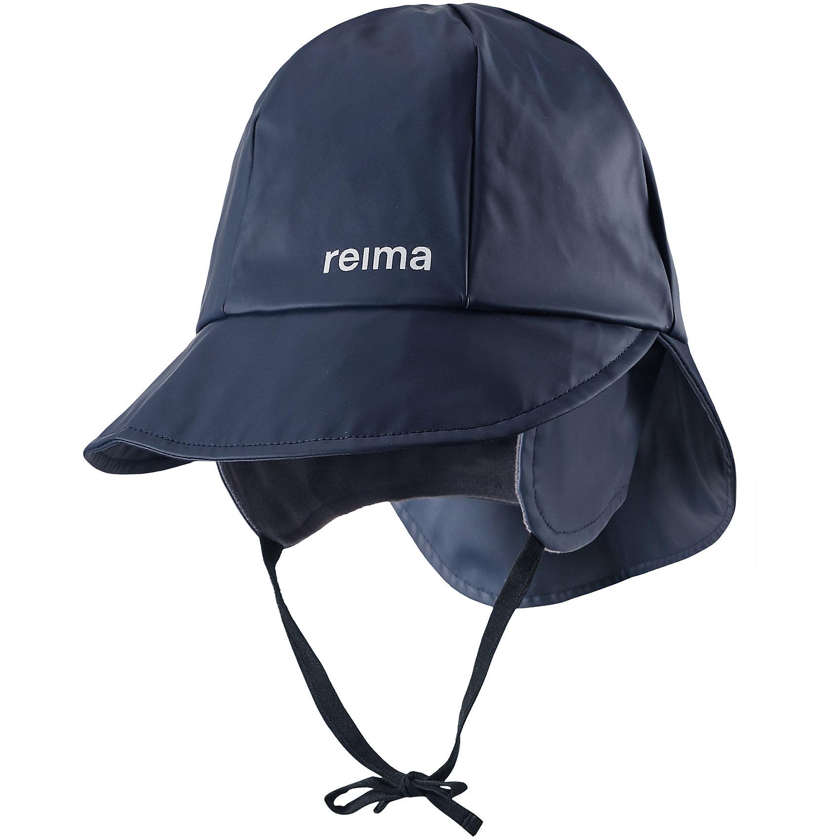 Непромокаемая шапка Rainy для мальчика ReimaШапки и шарфы<br>Характеристики товара:<br><br>• цвет: синий<br>• шапка-дождевик<br>• непромокаемая<br>• состав: 100% полиэстер, полиуретановое покрытие<br>• эластичный материал<br>• швы запаяны<br>• без подкладки<br>• защита ушей от ветра<br>• принт с логотипом<br>• комфортная посадка<br>• страна производства: Китай<br>• страна бренда: Финляндия<br>• коллекция: весна-лето 2017<br><br>Детский головной убор может быть модным и удобным одновременно! Стильная шапка поможет обеспечить ребенку комфорт и дополнить наряд. Она отлично смотрится с различной одеждой. Шапка удобно сидит и аккуратно выглядит. Проста в уходе, долго служит. Стильный дизайн разрабатывался специально для детей. Отличная защита от дождя и ветра!<br><br>Одежда и обувь от финского бренда Reima пользуется популярностью во многих странах. Эти изделия стильные, качественные и удобные. Для производства продукции используются только безопасные, проверенные материалы и фурнитура. Порадуйте ребенка модными и красивыми вещами от Reima! <br><br>Шапку для мальчика от финского бренда Reima (Рейма) можно купить в нашем интернет-магазине.<br><br>Ширина мм: 89<br>Глубина мм: 117<br>Высота мм: 44<br>Вес г: 155<br>Цвет: синий<br>Возраст от месяцев: 6<br>Возраст до месяцев: 9<br>Пол: Мужской<br>Возраст: Детский<br>Размер: 46,56,48,50,52,54<br>SKU: 5267985