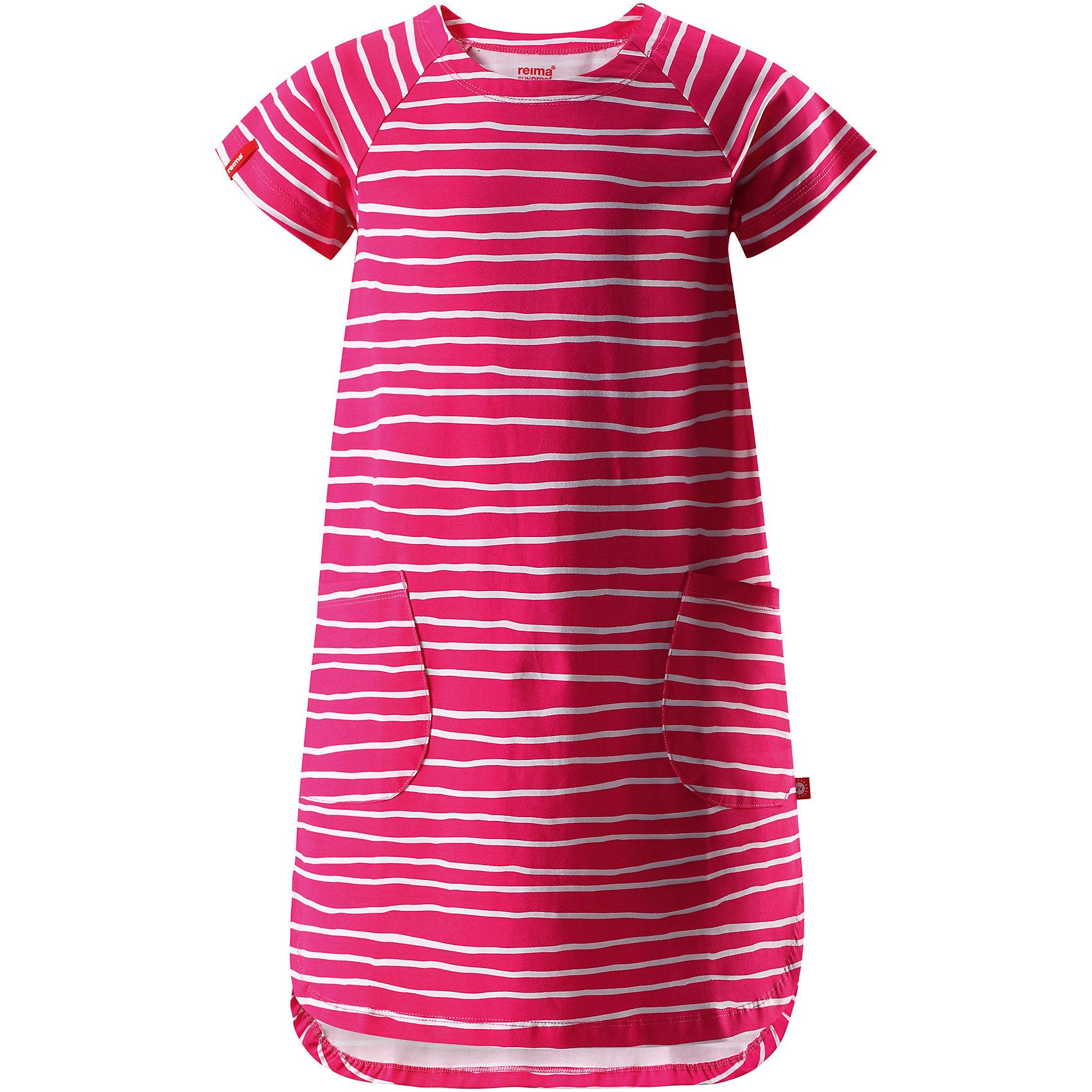 Платье для девочки ReimaОдежда<br>Характеристики товара:<br><br>• цвет: красный<br>• состав: 95% хлопок, 5% эластан<br>• удобный эластичный материал<br>• трапециевидный силуэт<br>• два накладных кармана<br>• страна бренда: Финляндия<br>• страна производства: Китай<br><br>Одежда может быть модной и комфортной одновременно! Удобное симпатичное платье поможет обеспечить ребенку комфорт - оно не стесняет движения и удобно сидит. Стильный дизайн разрабатывался специально для детей.<br><br>Уход:<br><br>• стирать и гладить, вывернув наизнанку<br>• стирать с бельем одинакового цвета<br>• стирать моющим средством, не содержащим отбеливающие вещества<br>• полоскать без специального средства<br>• придать первоначальную форму вo влажном виде.<br><br>Платье для девочки от финского бренда Reima (Рейма) можно купить в нашем интернет-магазине.<br><br>Ширина мм: 236<br>Глубина мм: 16<br>Высота мм: 184<br>Вес г: 177<br>Цвет: розовый<br>Возраст от месяцев: 60<br>Возраст до месяцев: 72<br>Пол: Женский<br>Возраст: Детский<br>Размер: 116,140,110,104,134,128,122<br>SKU: 5268174