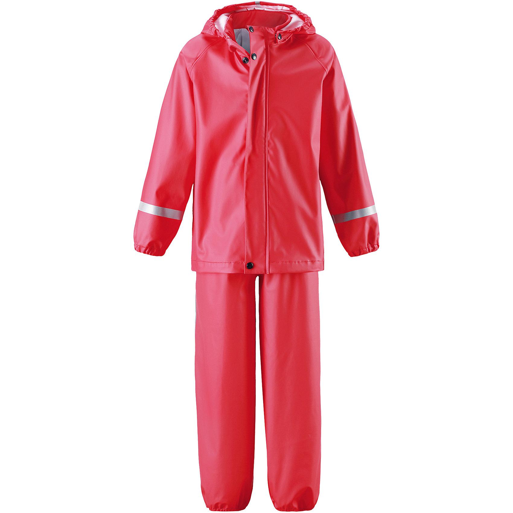Непромокаемый комплект Viima: куртка и брюки для девочки ReimaОдежда<br>Характеристики товара:<br><br>• цвет: красный<br>• состав: 100% полиэстер, полиуретановое покрытие<br>• температурный режим: от +10°до +20°С<br>• водонепроницаемость: 10000 мм<br>• без утеплителя<br>• комплектация: куртка, штаны<br>• эластичный материал<br>• водонепроницаемый материал с запаянными швами<br>• не содержит ПВХ<br>• безопасный съемный капюшон<br>• эластичные манжеты <br>• обхват талии эластичный<br>• эластичные манжеты на брючинах<br>• комфортная посадка<br>• съемные штрипки в размерах от 104 до 128 см<br>• молния спереди<br>• светоотражающие детали<br>• страна производства: Китай<br>• страна бренда: Финляндия<br>• коллекция: весна-лето 2017<br><br>Демисезонный комплект из куртки и штанов поможет обеспечить ребенку комфорт и тепло. Предметы отлично смотрятся с различной одеждой. Комплект удобно сидит и модно выглядит. Материал отлично подходит для дождливой погоды. Стильный дизайн разрабатывался специально для детей.<br><br>Обувь и одежда от финского бренда Reima пользуются популярностью во многих странах. Они стильные, качественные и удобные. Для производства продукции используются только безопасные, проверенные материалы и фурнитура. Порадуйте ребенка модными и красивыми вещами от Lassie®! <br><br>Комплект: куртка и брюки для мальчика от финского бренда Reima (Рейма) можно купить в нашем интернет-магазине.<br><br>Ширина мм: 356<br>Глубина мм: 10<br>Высота мм: 245<br>Вес г: 519<br>Цвет: красный<br>Возраст от месяцев: 96<br>Возраст до месяцев: 108<br>Пол: Женский<br>Возраст: Детский<br>Размер: 134,140,116,122,128<br>SKU: 5268222