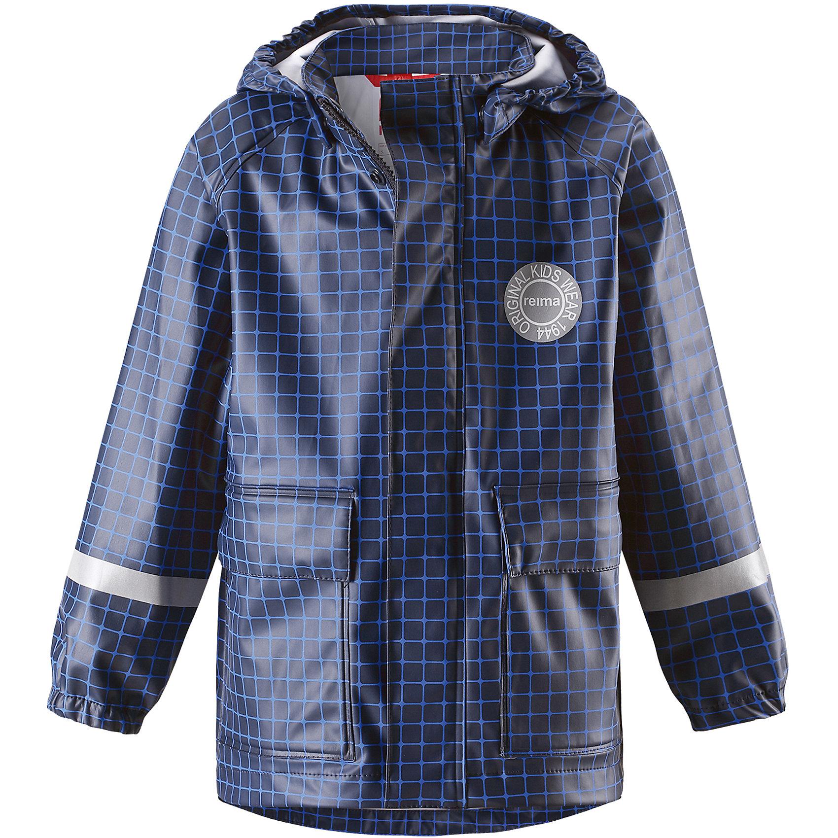 Плащ-дождевик Vihma для мальчика ReimaОдежда<br>Характеристики товара:<br><br>• цвет: синий<br>• состав: 100% полиэстер, полиуретановое покрытие<br>• температурный режим от +10°до +20°С<br>• водонепроницаемость: 10000 мм<br>• без утеплителя<br>• водонепроницаемый материал с запаянными швами<br>• можно пристегиватьпромежуточные слои Reima® с помощью кнопок Play Layers®<br>• эластичный материал<br>• не содержит ПВХ<br>• безопасный съёмный капюшон<br>• два накладных кармана<br>• спереди застёгивается на молнию<br>• светоотражающие детали<br>• комфортная посадка<br>• страна производства: Китай<br>• страна бренда: Финляндия<br>• коллекция: весна-лето 2017<br><br>В межсезонье верхняя одежда для детей может быть модной и комфортной одновременно! Легкая куртка поможет обеспечить ребенку комфорт и тепло. Она отлично смотрится с различной одеждой и обувью. Изделие удобно сидит и модно выглядит. Материал - прочный, хорошо подходящий для дождливой погоды. Стильный дизайн разрабатывался специально для детей.<br><br>Одежда и обувь от финского бренда Reima пользуется популярностью во многих странах. Эти изделия стильные, качественные и удобные. Для производства продукции используются только безопасные, проверенные материалы и фурнитура. Порадуйте ребенка модными и красивыми вещами от Reima! <br><br>Куртку для мальчика от финского бренда Reima (Рейма) можно купить в нашем интернет-магазине.<br><br>Ширина мм: 356<br>Глубина мм: 10<br>Высота мм: 245<br>Вес г: 519<br>Цвет: синий<br>Возраст от месяцев: 48<br>Возраст до месяцев: 60<br>Пол: Мужской<br>Возраст: Детский<br>Размер: 110,140,104,116,122,128,134<br>SKU: 5270397