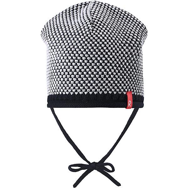 Шапка для мальчика ReimaШапки и шарфы<br>Характеристики товара:<br><br>• цвет: тёмно-синий<br>• состав: 100% хлопок<br>• облегчённая модель без подкладки<br>• температурный режим: от +10С<br>• эластичный хлопковый трикотаж<br>• изделие сертифицированно по старндарту Oeko-Tex на продукцию класса 1 - одежда для новорожденных<br>• завязки во всех размерах<br>• эмблема Reima спереди<br>• декоративная структурная вязка<br>• страна бренда: Финляндия<br>• страна производства: Китай<br><br>Детский головной убор может быть модным и удобным одновременно! Стильная шапка поможет обеспечить ребенку комфорт и дополнить наряд. Шапка удобно сидит и аккуратно выглядит. Проста в уходе, долго служит. Стильный дизайн разрабатывался специально для детей. Отличная защита от дождя и ветра!<br><br>Уход:<br><br>• стирать по отдельности, вывернув наизнанку<br>• придать первоначальную форму вo влажном виде<br>• возможна усадка 5 %.<br><br>Шапку для мальчика от финского бренда Reima (Рейма) можно купить в нашем интернет-магазине.<br><br>Ширина мм: 89<br>Глубина мм: 117<br>Высота мм: 44<br>Вес г: 155<br>Цвет: синий<br>Возраст от месяцев: 6<br>Возраст до месяцев: 9<br>Пол: Мужской<br>Возраст: Детский<br>Размер: 46,52,50,48<br>SKU: 5270911