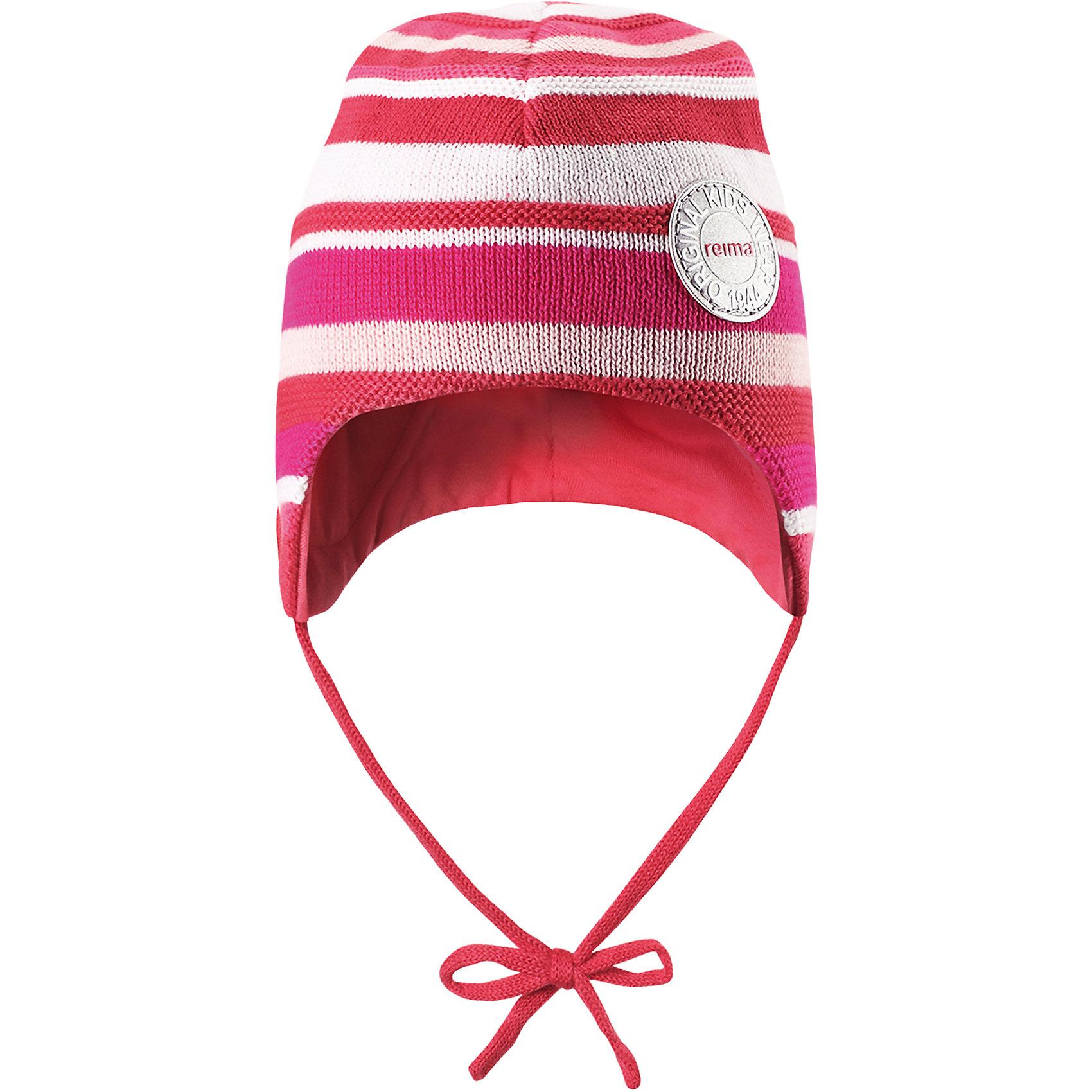Шапка для девочки ReimaШапки и шарфы<br>Характеристики товара:<br><br>• цвет: розовый<br>• состав: 100% хлопок<br>• сплошная подкладка из хлопкового трикотажа<br>• температурный режим: от 0С до +15С<br>• эластичный хлопковый трикотаж<br>• изделие сертифицированно по стандарту Oeko-Tex на продукцию класса 1 - одежда для новорождённых<br>• завязки во всех размерах<br>• эмблема Reima спереди<br>• светоотражающая эмблема спереди<br>• страна бренда: Финляндия<br>• страна производства: Китай<br><br>Детский головной убор может быть модным и удобным одновременно! Стильная шапка поможет обеспечить ребенку комфорт и дополнить наряд. Шапка удобно сидит и аккуратно выглядит. Проста в уходе, долго служит. Стильный дизайн разрабатывался специально для детей. Отличная защита от дождя и ветра!<br><br>Шапку для мальчика от финского бренда Reima (Рейма) можно купить в нашем интернет-магазине.<br><br>Ширина мм: 89<br>Глубина мм: 117<br>Высота мм: 44<br>Вес г: 155<br>Цвет: розовый<br>Возраст от месяцев: 24<br>Возраст до месяцев: 60<br>Пол: Женский<br>Возраст: Детский<br>Размер: 52,50,48,46<br>SKU: 5270971