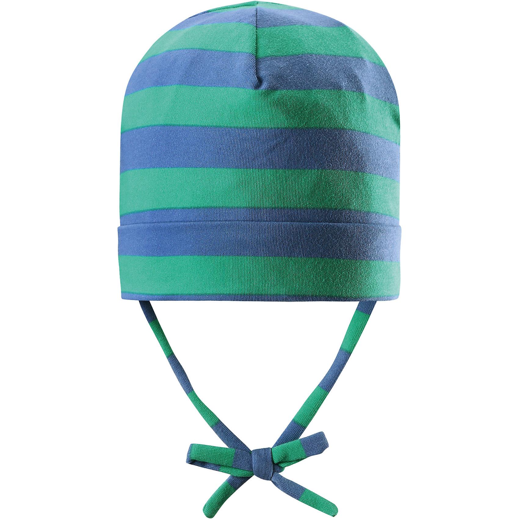Шапка Linna ReimaШапки и шарфы<br>Характеристики товара:<br><br>• цвет: зелёный/синий<br>• состав: 65% хлопок, 30% полиэстер, 5% эластан<br>• сплошная подкладка: влаговыводящий трикотаж Play Jersey<br>• температурный режим: от 0С до +10С<br>• фактор защиты от ультрафиолета: 40+<br>• эластичный материал<br>• быстросохнущий, очень приятный на ощупь материал Play Jersey<br>• приятная на ощупь хлопковая поверхность<br>• влагоотводящая изнаночная сторона<br>• завязки во всех размерах<br>• эмблема Reima сзади<br>• страна бренда: Финляндия<br>• страна производства: Китай<br><br>Детский головной убор может быть модным и удобным одновременно! Стильная шапка поможет обеспечить ребенку комфорт и дополнить наряд. Шапка удобно сидит и аккуратно выглядит. Проста в уходе, долго служит. Стильный дизайн разрабатывался специально для детей. Отличная защита от дождя и ветра!<br><br>Уход:<br><br>• стирать с бельем одинакового цвета, вывернув наизнанку<br>• полоскать без специального средства<br>• придать первоначальную форму вo влажном виде.<br><br>Шапку от финского бренда Reima (Рейма) можно купить в нашем интернет-магазине.<br><br>Ширина мм: 89<br>Глубина мм: 117<br>Высота мм: 44<br>Вес г: 155<br>Цвет: зеленый<br>Возраст от месяцев: 18<br>Возраст до месяцев: 36<br>Пол: Унисекс<br>Возраст: Детский<br>Размер: 50,52,46,48<br>SKU: 5271015