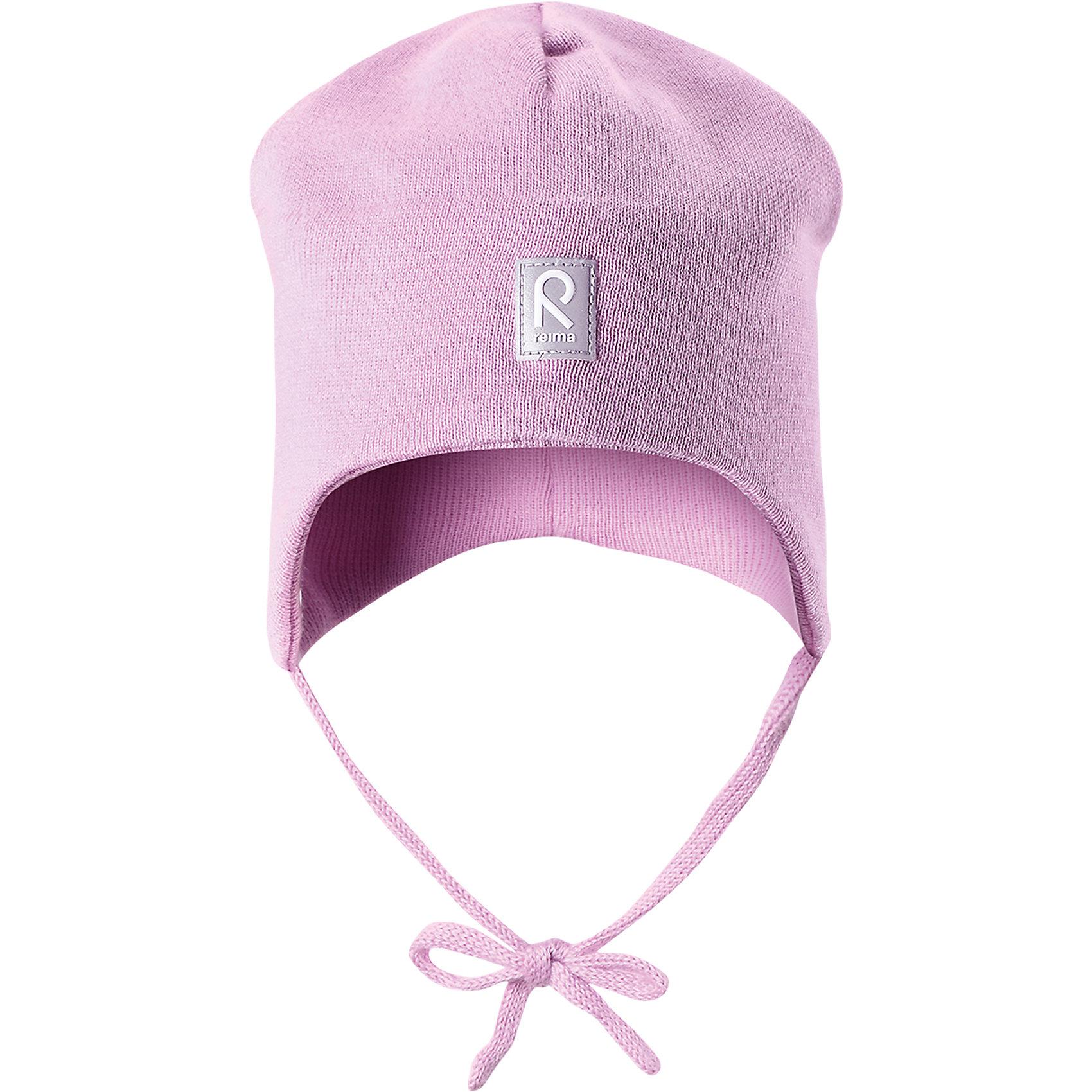 Шапка Aqueous для девочки  ReimaШапки и шарфы<br>Характеристики товара:<br><br>• цвет: светло-розовый<br>• состав: 100% хлопок<br>• полуподкладка: хлопковый трикотаж<br>• температурный режим: от 0С до +10С<br>• эластичный хлопковый трикотаж<br>• инделие сертифицированно по стандарту Oeko-Tex на продукция класса 1 - одежда для новорождённых<br>• ветронепроницаемые вставки в области ушей<br>• завязки во всех размерах<br>• эмблема Reima спереди<br>• светоотражающие детали<br>• страна бренда: Финляндия<br>• страна производства: Китай<br><br>Детский головной убор может быть модным и удобным одновременно! Стильная шапка поможет обеспечить ребенку комфорт и дополнить наряд. Шапка удобно сидит и аккуратно выглядит. Проста в уходе, долго служит. Стильный дизайн разрабатывался специально для детей. Отличная защита от дождя и ветра!<br><br>Уход:<br><br>• стирать по отдельности, вывернув наизнанку<br>• придать первоначальную форму вo влажном виде<br>• возможна усадка 5 %.<br><br>Шапку от финского бренда Reima (Рейма) можно купить в нашем интернет-магазине.<br><br>Ширина мм: 89<br>Глубина мм: 117<br>Высота мм: 44<br>Вес г: 155<br>Цвет: розовый<br>Возраст от месяцев: 9<br>Возраст до месяцев: 18<br>Пол: Женский<br>Возраст: Детский<br>Размер: 48,52,46,50<br>SKU: 5271100