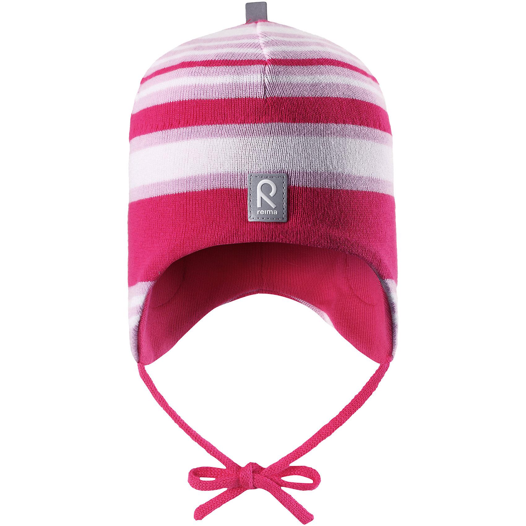 Шапка Aqueous для девочки ReimaШапочки<br>Характеристики товара:<br><br>• цвет: белый/розовый<br>• состав: 100% хлопок<br>• полуподкладка: хлопковый трикотаж<br>• температурный режим: от 0С до +10С<br>• эластичный хлопковый трикотаж<br>• инделие сертифицированно по стандарту Oeko-Tex на продукция класса 1 - одежда для новорождённых<br>• ветронепроницаемые вставки в области ушей<br>• завязки во всех размерах<br>• эмблема Reima спереди<br>• светоотражающие детали<br>• страна бренда: Финляндия<br>• страна производства: Китай<br><br>Детский головной убор может быть модным и удобным одновременно! Стильная шапка поможет обеспечить ребенку комфорт и дополнить наряд. Шапка удобно сидит и аккуратно выглядит. Проста в уходе, долго служит. Стильный дизайн разрабатывался специально для детей. Отличная защита от дождя и ветра!<br><br>Уход:<br><br>• стирать по отдельности, вывернув наизнанку<br>• придать первоначальную форму вo влажном виде<br>• возможна усадка 5 %.<br><br>Шапку от финского бренда Reima (Рейма) можно купить в нашем интернет-магазине.<br><br>Ширина мм: 89<br>Глубина мм: 117<br>Высота мм: 44<br>Вес г: 155<br>Цвет: розовый<br>Возраст от месяцев: 6<br>Возраст до месяцев: 9<br>Пол: Женский<br>Возраст: Детский<br>Размер: 52,48,50,46<br>SKU: 5271105