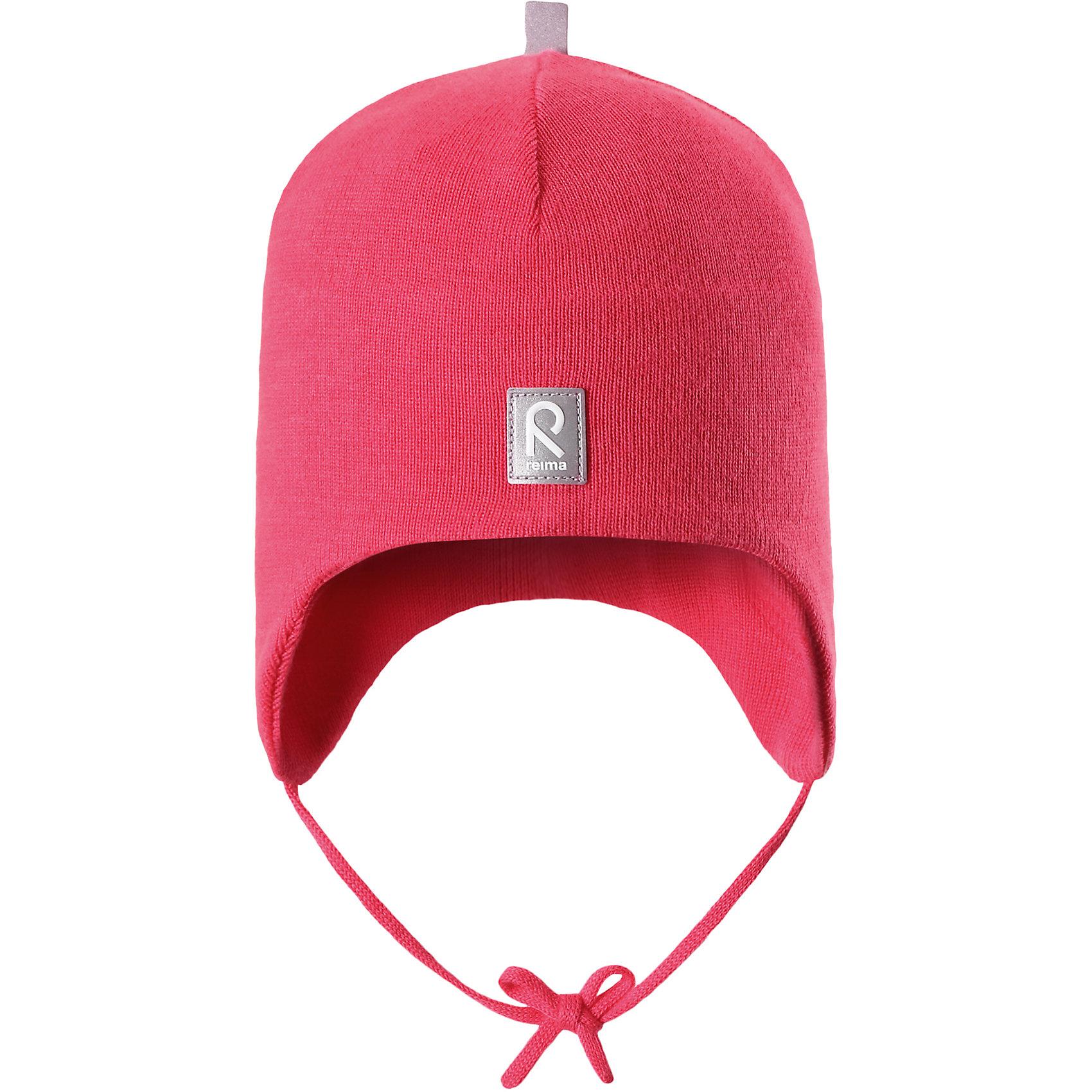 Шапка Aqueous для девочки ReimaШапки и шарфы<br>Характеристики товара:<br><br>• цвет: красный<br>• состав: 100% хлопок<br>• полуподкладка: хлопковый трикотаж<br>• температурный режим: от 0С до +10С<br>• эластичный хлопковый трикотаж<br>• инделие сертифицированно по стандарту Oeko-Tex на продукция класса 1 - одежда для новорождённых<br>• ветронепроницаемые вставки в области ушей<br>• завязки во всех размерах<br>• эмблема Reima спереди<br>• светоотражающие детали<br>• страна бренда: Финляндия<br>• страна производства: Китай<br><br>Детский головной убор может быть модным и удобным одновременно! Стильная шапка поможет обеспечить ребенку комфорт и дополнить наряд. Шапка удобно сидит и аккуратно выглядит. Проста в уходе, долго служит. Стильный дизайн разрабатывался специально для детей. Отличная защита от дождя и ветра!<br><br>Уход:<br><br>• стирать по отдельности, вывернув наизнанку<br>• придать первоначальную форму вo влажном виде<br>• возможна усадка 5 %.<br><br>Шапку от финского бренда Reima (Рейма) можно купить в нашем интернет-магазине.<br><br>Ширина мм: 89<br>Глубина мм: 117<br>Высота мм: 44<br>Вес г: 155<br>Цвет: розовый<br>Возраст от месяцев: 24<br>Возраст до месяцев: 60<br>Пол: Женский<br>Возраст: Детский<br>Размер: 52,50,46,48<br>SKU: 5271110