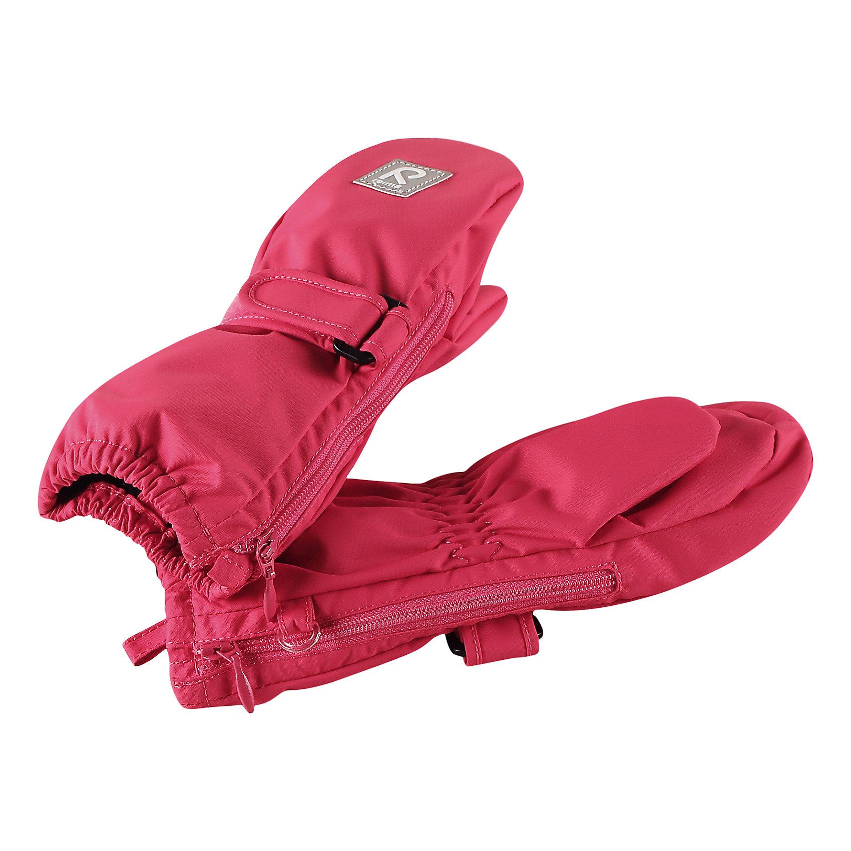 Варежки Poimii для девочки ReimaПерчатки, варежки<br>Характеристики товара:<br><br>• цвет: розовый<br>• состав: 100% полиэстер, полиуретановое покрытие<br>• температурный режим: от 0° до +10°С<br>• водонепроницаемость: 15000 мм<br>• воздухопроницаемость: 5000 мм<br>• износостойкость: 40000 циклов (тест Мартиндейла)<br>• без утеплителя<br>• водонепроницаемый материал без вставки - изделие не является водонепроницаемым<br>• износостойкий материал<br>• ветронепроницаемый, водо- и грязеотталкивающий материал<br>• трикотажная подкладка из полиэстера с начесом<br>• примечание: из-за наличия молнии изделие не является водонепроницаемым<br>• застёжка-липучка спереди, регулирует объем<br>• можно сушить в сушильном шкафу<br>• молния облегчает надевание<br>• эмблема Reima спереди<br>• светоотражающая эмблема спереди<br>• страна производства: Китай<br>• страна бренда: Финляндия<br>• коллекция: весна-лето 2017<br><br>Reima представляет новые варежки для детей. Они помогут обеспечить ребенку комфорт и дополнить наряд. Варежки отлично смотрятся с различной одеждой. Изделия удобно сидят и модно выглядят, в их основе - водо- и ветронепроницаемый грязеотталкивающий материал. Просты в уходе, долго служат. Стильный дизайн разрабатывался специально для детей.<br><br>Одежда и обувь от финского бренда Reima пользуется популярностью во многих странах. Эти изделия стильные, качественные и удобные. Для производства продукции используются только безопасные, проверенные материалы и фурнитура. Порадуйте ребенка модными и красивыми вещами от Reima! <br><br>Варежки для мальчика от финского бренда Reima (Рейма) можно купить в нашем интернет-магазине.<br><br>Ширина мм: 162<br>Глубина мм: 171<br>Высота мм: 55<br>Вес г: 119<br>Цвет: розовый<br>Возраст от месяцев: 0<br>Возраст до месяцев: 12<br>Пол: Женский<br>Возраст: Детский<br>Размер: 0,2,1<br>SKU: 5271152