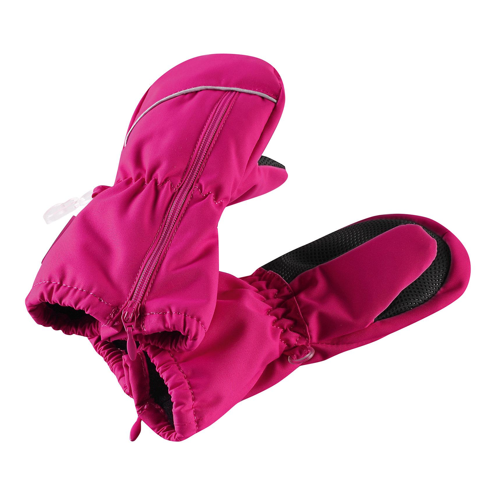 Варежки Litava для девочки ReimaХарактеристики товара:<br><br>• цвет: розовый<br>• состав: 100% полиэстер, полиуретановое покрытие<br>• температурный режим: от 0° до +10°С<br>• водонепроницаемость: 15000 мм<br>• воздухопроницаемость: 5000 мм<br>• износостойкость: 40000 (тест Мартиндейла)<br>• без утеплителя<br>• полностью водонепроницаемые и дышащие благодаря внутренней вставке из материала Hipora<br>• износостойкий материал<br>• ветронепроницаемый, водо- и грязеотталкивающий материал<br>• водонепроницаемая вставка<br>• усиление на ладони и большом пальце<br>• трикотажная подкладка из полиэстера с начёсом<br>• можно сушить в сушильном шкафу<br>• молния облегчает надевание<br>• эмблема Reima сбоку<br>• светоотражающие детали<br>• страна производства: Китай<br>• страна бренда: Финляндия<br>• коллекция: весна-лето 2017<br><br>Reima представляет новые варежки для детей. Они помогут обеспечить ребенку комфорт и дополнить наряд. Варежки отлично смотрятся с различной одеждой. Изделия удобно сидят и модно выглядят, в их основе - водо- и ветронепроницаемый грязеотталкивающий материал. Просты в уходе, долго служат. Стильный дизайн разрабатывался специально для детей.<br><br>Одежда и обувь от финского бренда Reima пользуется популярностью во многих странах. Эти изделия стильные, качественные и удобные. Для производства продукции используются только безопасные, проверенные материалы и фурнитура. Порадуйте ребенка модными и красивыми вещами от Reima! <br><br>Варежки для мальчика от финского бренда Reima (Рейма) можно купить в нашем интернет-магазине.<br><br>Ширина мм: 162<br>Глубина мм: 171<br>Высота мм: 55<br>Вес г: 119<br>Цвет: розовый<br>Возраст от месяцев: 12<br>Возраст до месяцев: 24<br>Пол: Женский<br>Возраст: Детский<br>Размер: 2,1,3<br>SKU: 5271164