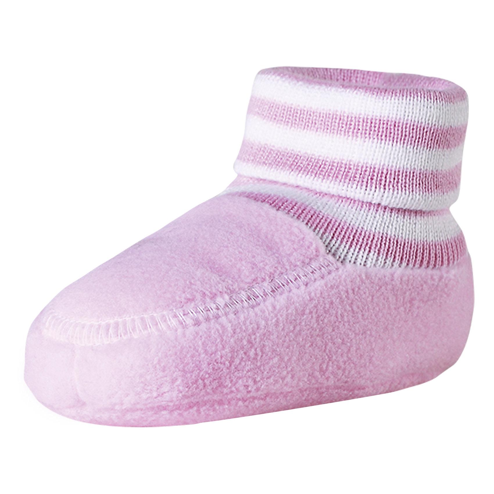 Пинетки Minute для девочки ReimaПинетки и царапки<br>Характеристики товара:<br><br>• цвет: розовый<br>• материал: поларфлис<br>• состав: 100% полиэстер<br>• теплый, легкий и быстросохнущий полярный флис<br>• эластичный хлопковый трикотаж<br>• основной материал сертифицирован Oeko-Tex, класс 1, одежда для малышей<br>• сплошная подкладка из хлопкового трикотажа<br>• декоративный логотип<br>• без утеплителя<br>• страна производства: Китай<br>• страна бренда: Финляндия<br>• коллекция: весна-лето 2017<br><br>Reima представляет пинетки для малышей. Они помогут обеспечить ребенку комфорт и удобство. Пинетки отлично смотрятся с различной одеждой. Изделия удобно сидят и модно выглядят, в их основе мягкий и теплый материал. Стильный дизайн разрабатывался специально для детей.<br><br>Одежда и обувь от финского бренда Reima пользуется популярностью во многих странах. Эти изделия стильные, качественные и удобные. Для производства продукции используются только безопасные, проверенные материалы и фурнитура. Порадуйте ребенка модными и красивыми вещами от Reima! <br><br>Пинетки для мальчика от финского бренда Reima (Рейма) можно купить в нашем интернет-магазине.<br><br>Ширина мм: 152<br>Глубина мм: 126<br>Высота мм: 93<br>Вес г: 242<br>Цвет: розовый<br>Возраст от месяцев: 6<br>Возраст до месяцев: 18<br>Пол: Женский<br>Возраст: Детский<br>Размер: 1,0<br>SKU: 5271175