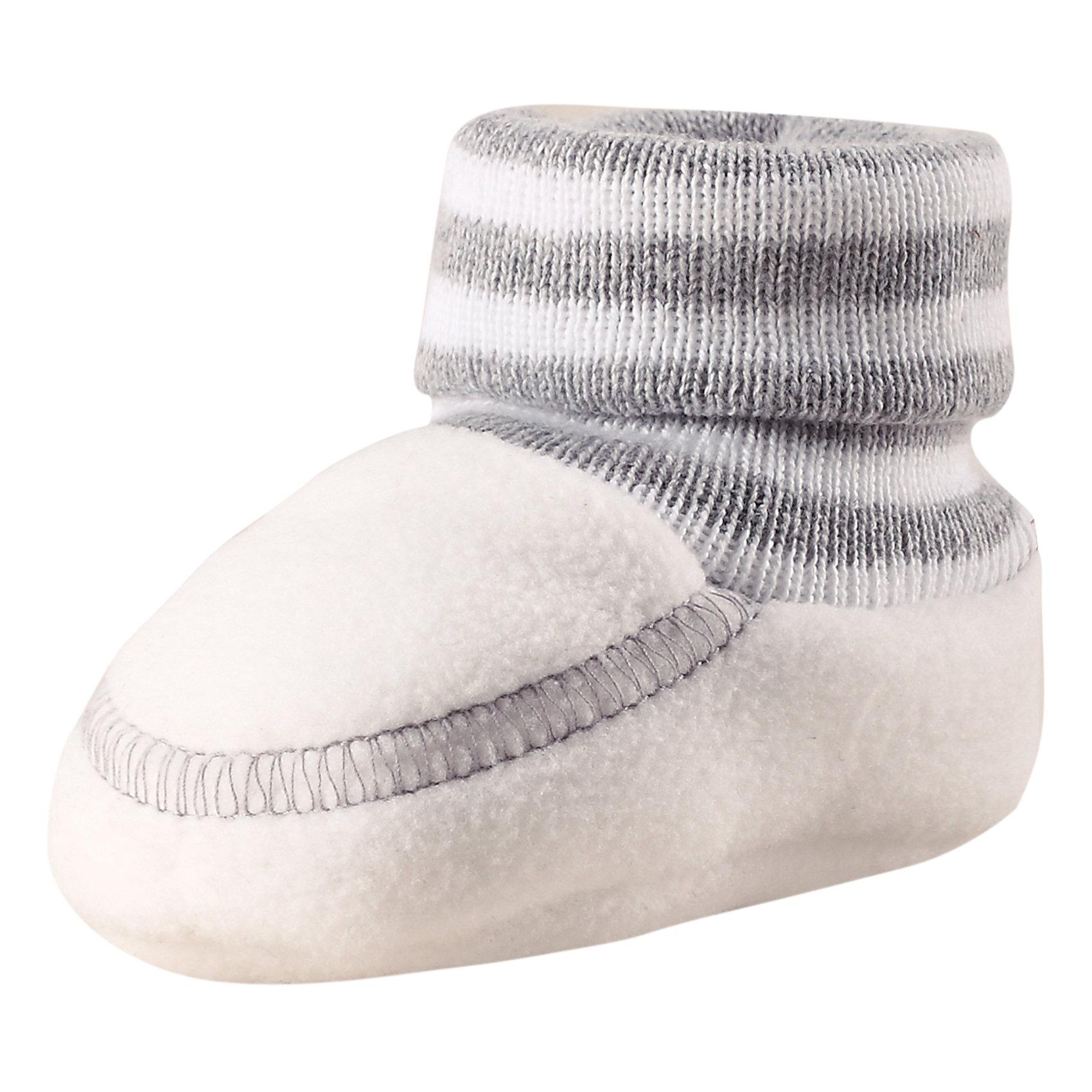 Пинетки Minute ReimaХарактеристики товара:<br><br>• цвет: белый<br>• материал: поларфлис<br>• состав: 100% полиэстер<br>• теплый, легкий и быстросохнущий полярный флис<br>• эластичный хлопковый трикотаж<br>• основной материал сертифицирован Oeko-Tex, класс 1, одежда для малышей<br>• сплошная подкладка из хлопкового трикотажа<br>• декоративный логотип<br>• без утеплителя<br>• страна производства: Китай<br>• страна бренда: Финляндия<br>• коллекция: весна-лето 2017<br><br>Reima представляет пинетки для малышей. Они помогут обеспечить ребенку комфорт и удобство. Пинетки отлично смотрятся с различной одеждой. Изделия удобно сидят и модно выглядят, в их основе мягкий и теплый материал. Стильный дизайн разрабатывался специально для детей.<br><br>Одежда и обувь от финского бренда Reima пользуется популярностью во многих странах. Эти изделия стильные, качественные и удобные. Для производства продукции используются только безопасные, проверенные материалы и фурнитура. Порадуйте ребенка модными и красивыми вещами от Reima! <br><br>Пинетки для мальчика от финского бренда Reima (Рейма) можно купить в нашем интернет-магазине.<br><br>Ширина мм: 152<br>Глубина мм: 126<br>Высота мм: 93<br>Вес г: 242<br>Цвет: белый<br>Возраст от месяцев: 0<br>Возраст до месяцев: 12<br>Пол: Унисекс<br>Возраст: Детский<br>Размер: 0,1<br>SKU: 5271178