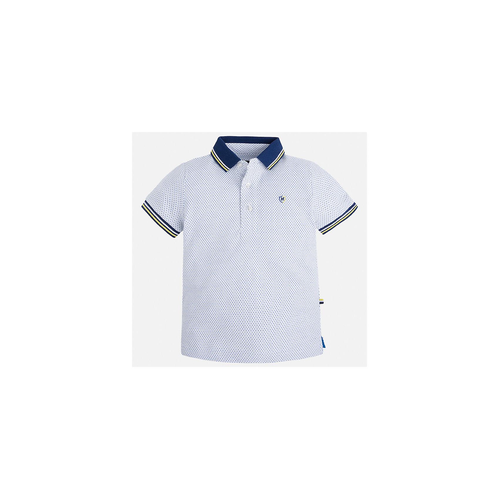 Футболка-поло для мальчика MayoralФутболки, поло и топы<br>Характеристики товара:<br><br>• цвет: белый<br>• состав: 100% хлопок<br>• отложной воротник<br>• короткие рукава<br>• застежка: пуговицы<br>• декорирована вышивкой<br>• страна бренда: Испания<br><br>Модная футболка-поло для мальчика может стать базовой вещью в гардеробе ребенка. Она отлично сочетается с брюками, шортами, джинсами и т.д. Универсальный крой и цвет позволяет подобрать к вещи низ разных расцветок. Практичное и стильное изделие! В составе материала - только натуральный хлопок, гипоаллергенный, приятный на ощупь, дышащий.<br><br>Одежда, обувь и аксессуары от испанского бренда Mayoral полюбились детям и взрослым по всему миру. Модели этой марки - стильные и удобные. Для их производства используются только безопасные, качественные материалы и фурнитура. Порадуйте ребенка модными и красивыми вещами от Mayoral! <br><br>Футболку-поло для мальчика от испанского бренда Mayoral (Майорал) можно купить в нашем интернет-магазине.<br><br>Ширина мм: 199<br>Глубина мм: 10<br>Высота мм: 161<br>Вес г: 151<br>Цвет: белый<br>Возраст от месяцев: 48<br>Возраст до месяцев: 60<br>Пол: Мужской<br>Возраст: Детский<br>Размер: 110,122,116,104,134,98,92,128<br>SKU: 5271859