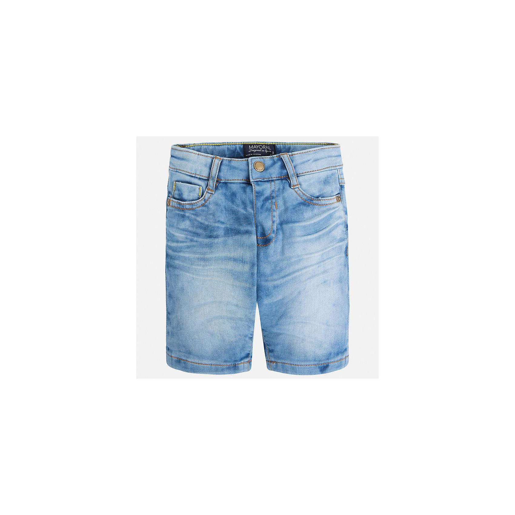 Бриджи джинсовые для мальчика MayoralШорты, бриджи, капри<br>Характеристики товара:<br><br>• цвет: голубой<br>• состав: 97% хлопок, 3% эластан<br>• шлевки<br>• карманы<br>• пояс с регулировкой объема<br>• имитация потертости<br>• страна бренда: Испания<br><br>Модные бриджи для мальчика смогут стать базовой вещью в гардеробе ребенка. Они отлично сочетаются с майками, футболками, рубашками и т.д. Универсальный крой и цвет позволяет подобрать к вещи верх разных расцветок. Практичное и стильное изделие! В составе материала - натуральный хлопок, гипоаллергенный, приятный на ощупь, дышащий.<br><br>Одежда, обувь и аксессуары от испанского бренда Mayoral полюбились детям и взрослым по всему миру. Модели этой марки - стильные и удобные. Для их производства используются только безопасные, качественные материалы и фурнитура. Порадуйте ребенка модными и красивыми вещами от Mayoral! <br><br>Бриджи для мальчика от испанского бренда Mayoral (Майорал) можно купить в нашем интернет-магазине.<br><br>Ширина мм: 191<br>Глубина мм: 10<br>Высота мм: 175<br>Вес г: 273<br>Цвет: синий<br>Возраст от месяцев: 96<br>Возраст до месяцев: 108<br>Пол: Мужской<br>Возраст: Детский<br>Размер: 134,128,92,98,104,110,116,122<br>SKU: 5272585