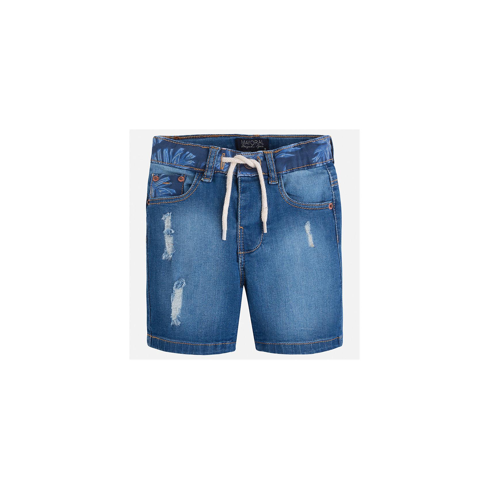 Бриджи джинсовые для мальчика MayoralЛови волну<br>Характеристики товара:<br><br>• цвет: синий<br>• состав: 97% хлопок, 3% эластан<br>• шлевки<br>• карманы<br>• пояс с регулировкой объема<br>• имитация потертости<br>• страна бренда: Испания<br><br>Модные бриджи для мальчика смогут стать базовой вещью в гардеробе ребенка. Они отлично сочетаются с майками, футболками, рубашками и т.д. Универсальный крой и цвет позволяет подобрать к вещи верх разных расцветок. Практичное и стильное изделие! В составе материала - натуральный хлопок, гипоаллергенный, приятный на ощупь, дышащий.<br><br>Одежда, обувь и аксессуары от испанского бренда Mayoral полюбились детям и взрослым по всему миру. Модели этой марки - стильные и удобные. Для их производства используются только безопасные, качественные материалы и фурнитура. Порадуйте ребенка модными и красивыми вещами от Mayoral! <br><br>Бриджи для мальчика от испанского бренда Mayoral (Майорал) можно купить в нашем интернет-магазине.<br><br>Ширина мм: 191<br>Глубина мм: 10<br>Высота мм: 175<br>Вес г: 273<br>Цвет: голубой<br>Возраст от месяцев: 72<br>Возраст до месяцев: 84<br>Пол: Мужской<br>Возраст: Детский<br>Размер: 122,110,128,116,104,92,134,98<br>SKU: 5272684