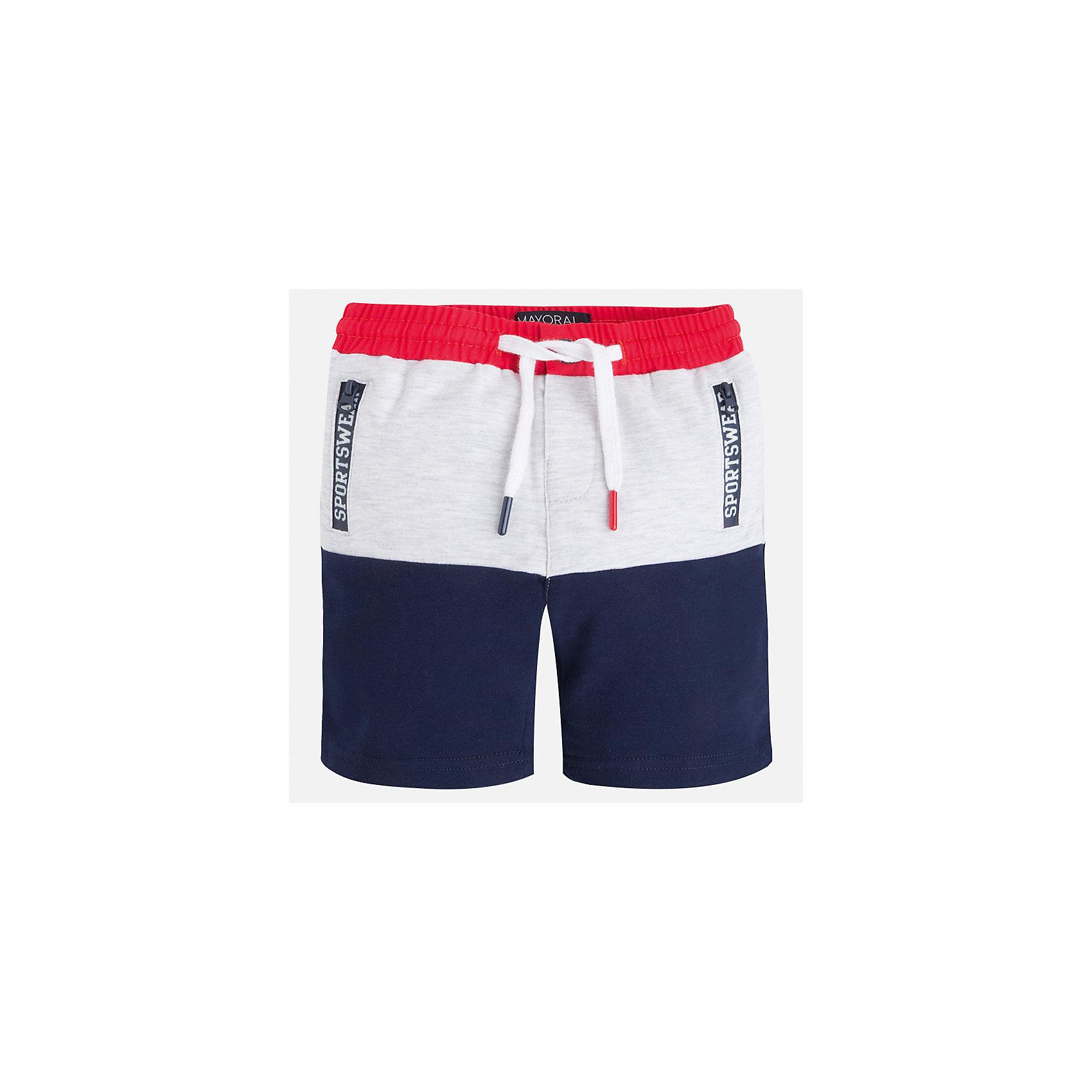 Бриджи для мальчика MayoralХарактеристики товара:<br><br>• цвет: белый/синий/красный<br>• состав: 58% хлопок, 38% полиэстер, 4% эластан<br>• средняя длина<br>• карманы<br>• пояс - резинка со шнурком<br>• мягкий материал<br>• страна бренда: Испания<br><br>Спортивные бриджи для мальчика помогут обеспечить ребенку комфорт. Они отлично сочетаются с майками, футболками, курточками в спортивном стиле. Универсальный крой и цвет позволяет подобрать к вещи верх разных расцветок. Практичное и стильное изделие! В составе материала - натуральный хлопок, гипоаллергенный, приятный на ощупь, дышащий.<br><br>Одежда, обувь и аксессуары от испанского бренда Mayoral полюбились детям и взрослым по всему миру. Модели этой марки - стильные и удобные. Для их производства используются только безопасные, качественные материалы и фурнитура. Порадуйте ребенка модными и красивыми вещами от Mayoral! <br><br>Бриджи для мальчика от испанского бренда Mayoral (Майорал) можно купить в нашем интернет-магазине.<br><br>Ширина мм: 191<br>Глубина мм: 10<br>Высота мм: 175<br>Вес г: 273<br>Цвет: разноцветный<br>Возраст от месяцев: 24<br>Возраст до месяцев: 36<br>Пол: Мужской<br>Возраст: Детский<br>Размер: 98,92,134,128,122,116,110,104<br>SKU: 5272703