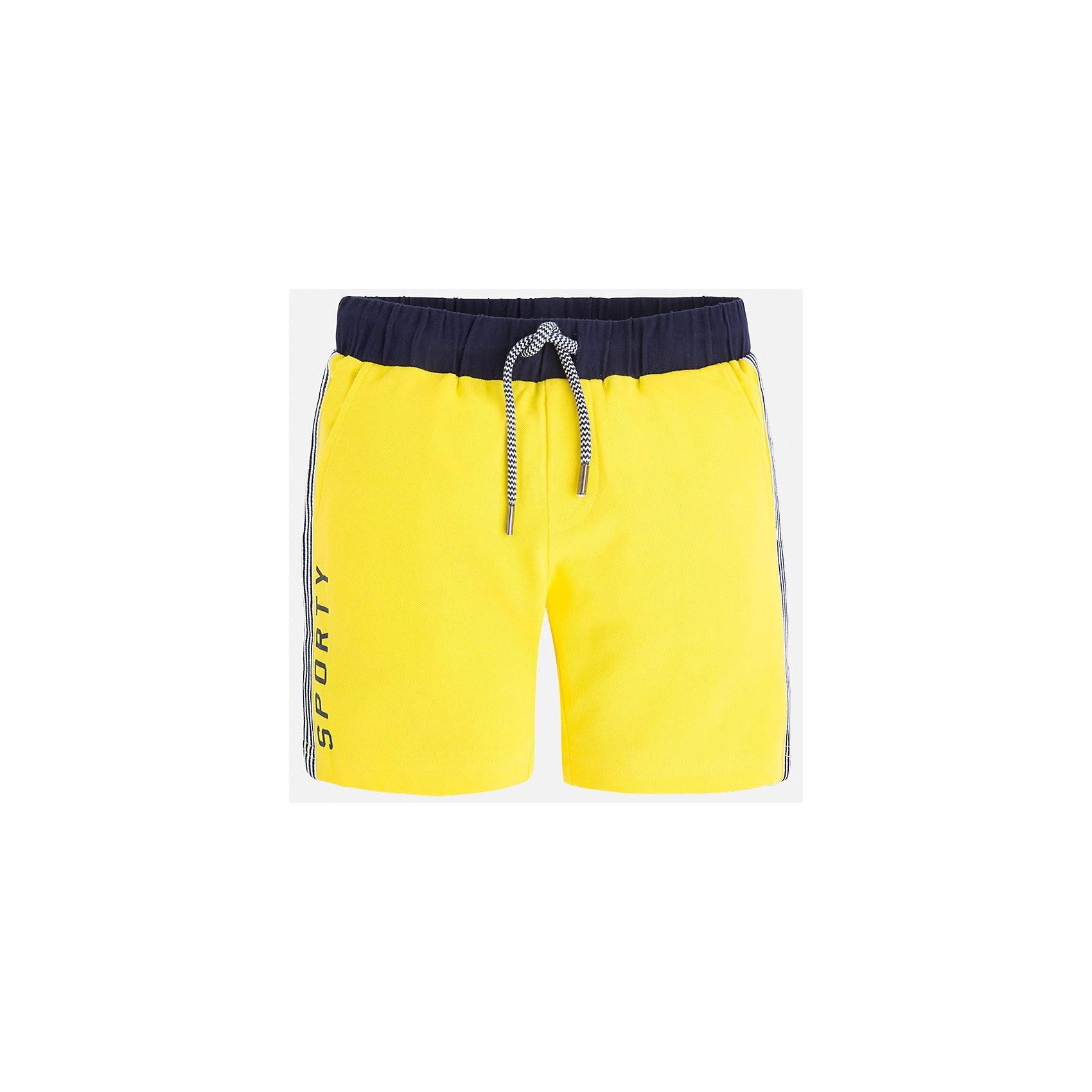 Бриджи для мальчика MayoralШорты, бриджи, капри<br>Характеристики товара:<br><br>• цвет: желтый<br>• состав: 95% хлопок, 5% эластан<br>• средняя длина<br>• принт<br>• пояс - резинка со шнурком<br>• мягкий материал<br>• страна бренда: Испания<br><br>Спортивные бриджи для мальчика помогут обеспечить ребенку комфорт. Они отлично сочетаются с майками, футболками, курточками в спортивном стиле. Универсальный крой и цвет позволяет подобрать к вещи верх разных расцветок. Практичное и стильное изделие! В составе материала - натуральный хлопок, гипоаллергенный, приятный на ощупь, дышащий.<br><br>Одежда, обувь и аксессуары от испанского бренда Mayoral полюбились детям и взрослым по всему миру. Модели этой марки - стильные и удобные. Для их производства используются только безопасные, качественные материалы и фурнитура. Порадуйте ребенка модными и красивыми вещами от Mayoral! <br><br>Бриджи для мальчика от испанского бренда Mayoral (Майорал) можно купить в нашем интернет-магазине.<br><br>Ширина мм: 191<br>Глубина мм: 10<br>Высота мм: 175<br>Вес г: 273<br>Цвет: желтый<br>Возраст от месяцев: 72<br>Возраст до месяцев: 84<br>Пол: Мужской<br>Возраст: Детский<br>Размер: 122,92,98,110,104,116<br>SKU: 5272736