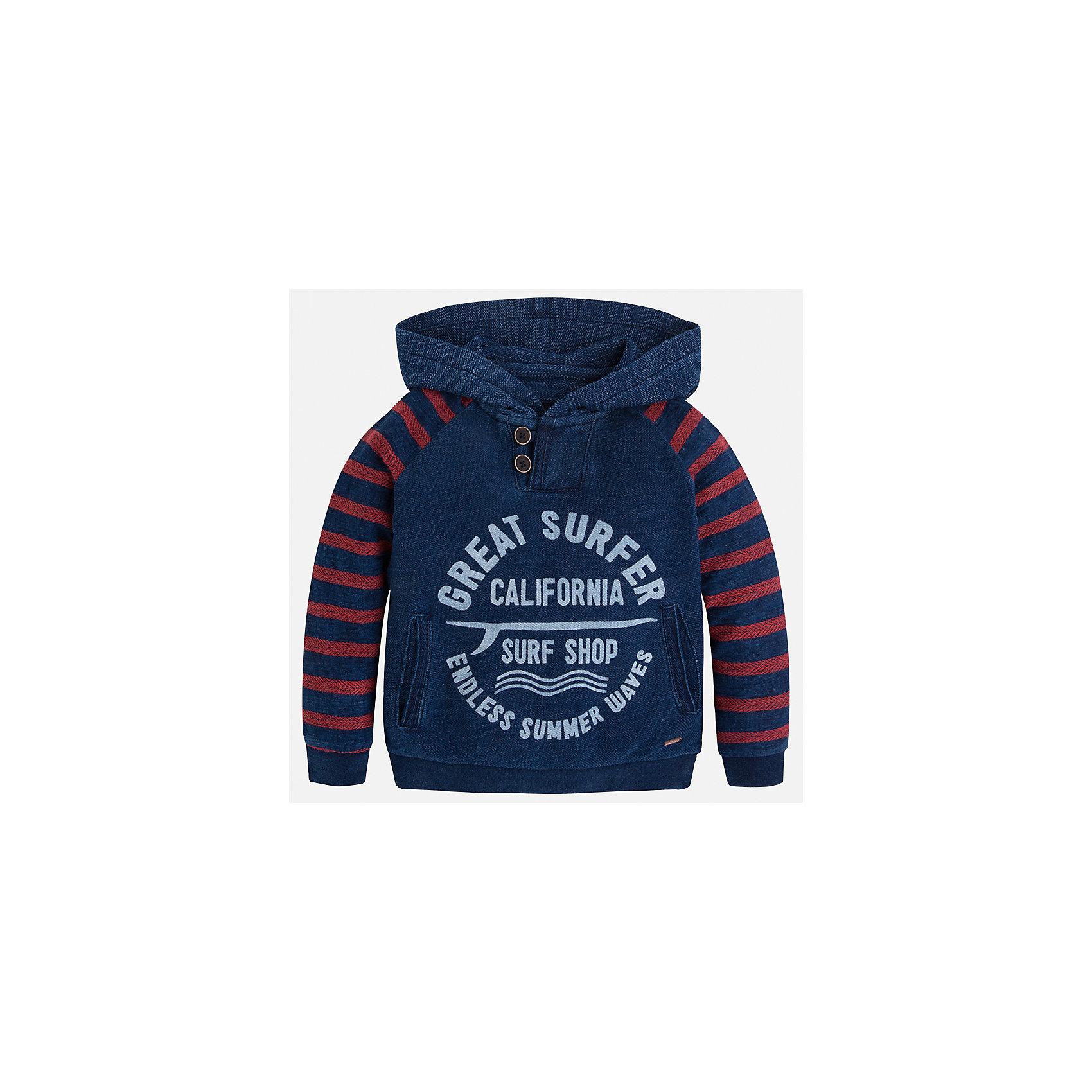 Толстовка для мальчика MayoralЛови волну<br>Характеристики товара:<br><br>• цвет: красный/синий<br>• состав: 74% хлопок, 26% полиэстер<br>• рукава длинные <br>• принт<br>• карманы<br>• капюшон<br>• страна бренда: Испания<br><br>Удобный и красивый свитер для мальчика поможет разнообразить гардероб ребенка и обеспечить тепло. Он отлично сочетается и с джинсами, и с брюками. Универсальный цвет позволяет подобрать к вещи низ различных расцветок. Интересная отделка модели делает её нарядной и оригинальной. В составе материала - натуральный хлопок, гипоаллергенный, приятный на ощупь, дышащий.<br><br>Одежда, обувь и аксессуары от испанского бренда Mayoral полюбились детям и взрослым по всему миру. Модели этой марки - стильные и удобные. Для их производства используются только безопасные, качественные материалы и фурнитура. Порадуйте ребенка модными и красивыми вещами от Mayoral! <br><br>Свитер для мальчика от испанского бренда Mayoral (Майорал) можно купить в нашем интернет-магазине.<br><br>Ширина мм: 190<br>Глубина мм: 74<br>Высота мм: 229<br>Вес г: 236<br>Цвет: синий<br>Возраст от месяцев: 18<br>Возраст до месяцев: 24<br>Пол: Мужской<br>Возраст: Детский<br>Размер: 92,134,128,122,116,110,104,98<br>SKU: 5272828