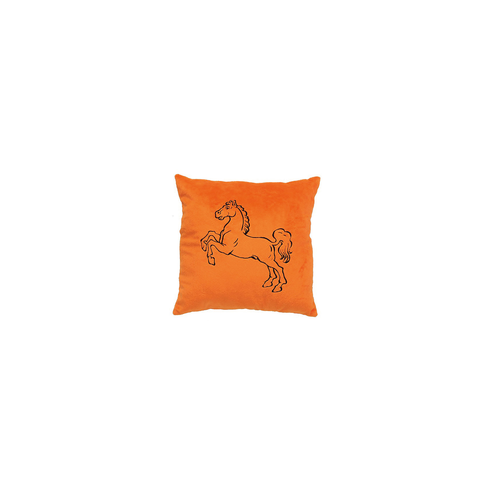 Декоративная подушка Лошадь арт. 1845, Small Toys, оранжевыйДомашний текстиль<br>Характеристики товара:<br><br>• цвет: оранжевый<br>• материал: текстиль, наполнитель<br>• размер: 31х31 см<br>• фактура: короткий искусственный мех<br>• украшена изображением лошади<br>• декоративная<br>• страна бренда: Российская Федерация<br>• страна производства: Российская Федерация<br><br>Красивая и качественная подушка может отличным подарком ребенку или взрослому. Она декорирована изображением лошади - а кто не любит этих благородных животных?! Подушка сделана из приятного на ощупь материала и мягкого наполнителя.<br>Такое изделие будет отлично смотреться в интерьерах разных стилей, добавляя в комнату уюта. Она выполнена в приятной расцветке. Швы хорошо проработаны. Изделие произведено из сертифицированных материалов, безопасных для детей.<br><br>Декоративную подушку Лошадь арт. 1845 от бренда Small Toys можно купить в нашем интернет-магазине.<br><br>Ширина мм: 110<br>Глубина мм: 310<br>Высота мм: 310<br>Вес г: 200<br>Возраст от месяцев: 36<br>Возраст до месяцев: 72<br>Пол: Унисекс<br>Возраст: Детский<br>SKU: 5272898