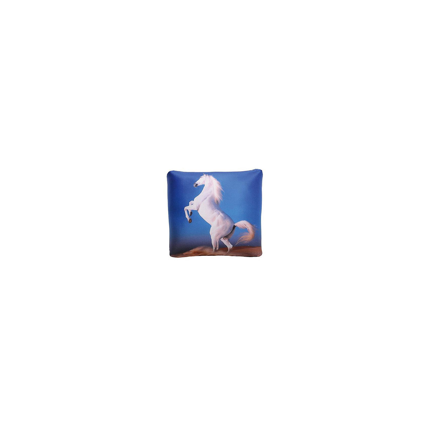 Подушка антистресс 31*31, арт. 2751, Small Toys, синийХарактеристики товара:<br><br>• цвет: синий<br>• материал: текстиль, шарики полистирол<br>• размер: 31х31 см<br>• украшена изображением лошади<br>• эффект массажа<br>• страна бренда: Российская Федерация<br>• страна производства: Российская Федерация<br><br>Думаете, что подарить? Красивая и качественная подушка может отличным подарком ребенку или взрослому. Она декорирована изображением лошади - а кто не любит этих благородных животных?! Подушка сделана из приятного на ощупь материала и специального наполнителя - гранул полистирола, которые приятно пересыпаются внутри неё.<br>Такое изделие сможет оказывать точечный массаж ладошек, если держать её в руках, развивать моторику и отвлекать ребенка при необходимости. В поездках или дома на диване такая подушка поможет занять удобное положение и при этом будет приятно массировать шею. Подушка выполнена в приятной расцветке. Швы хорошо проработаны. Изделие произведено из сертифицированных материалов, безопасных для детей.<br><br>Подушку антистресс 31*31, арт. 2751 от бренда Small Toys можно купить в нашем интернет-магазине.<br><br>Ширина мм: 310<br>Глубина мм: 310<br>Высота мм: 90<br>Вес г: 235<br>Возраст от месяцев: 36<br>Возраст до месяцев: 72<br>Пол: Унисекс<br>Возраст: Детский<br>SKU: 5272906