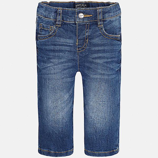 Джинсы для мальчика MayoralДжинсы и брючки<br>Характеристики товара:<br><br>• цвет: синий<br>• состав: 99% хлопок, 1% эластан<br>• имитация потертостей<br>• шлевки<br>• карманы<br>• пояс с регулировкой объема<br>• классический силуэт<br>• страна бренда: Испания<br><br>Модные брюки для мальчика смогут стать базовой вещью в гардеробе ребенка. Они отлично сочетаются с майками, футболками, рубашками и т.д. Универсальный крой и цвет позволяет подобрать к вещи верх разных расцветок. Практичное и стильное изделие! В составе материала - натуральный хлопок, гипоаллергенный, приятный на ощупь, дышащий.<br><br>Одежда, обувь и аксессуары от испанского бренда Mayoral полюбились детям и взрослым по всему миру. Модели этой марки - стильные и удобные. Для их производства используются только безопасные, качественные материалы и фурнитура. Порадуйте ребенка модными и красивыми вещами от Mayoral! <br><br>Брюки для мальчика от испанского бренда Mayoral (Майорал) можно купить в нашем интернет-магазине.<br><br>Ширина мм: 215<br>Глубина мм: 88<br>Высота мм: 191<br>Вес г: 336<br>Цвет: синий<br>Возраст от месяцев: 12<br>Возраст до месяцев: 18<br>Пол: Мужской<br>Возраст: Детский<br>Размер: 86,92,80<br>SKU: 5277616