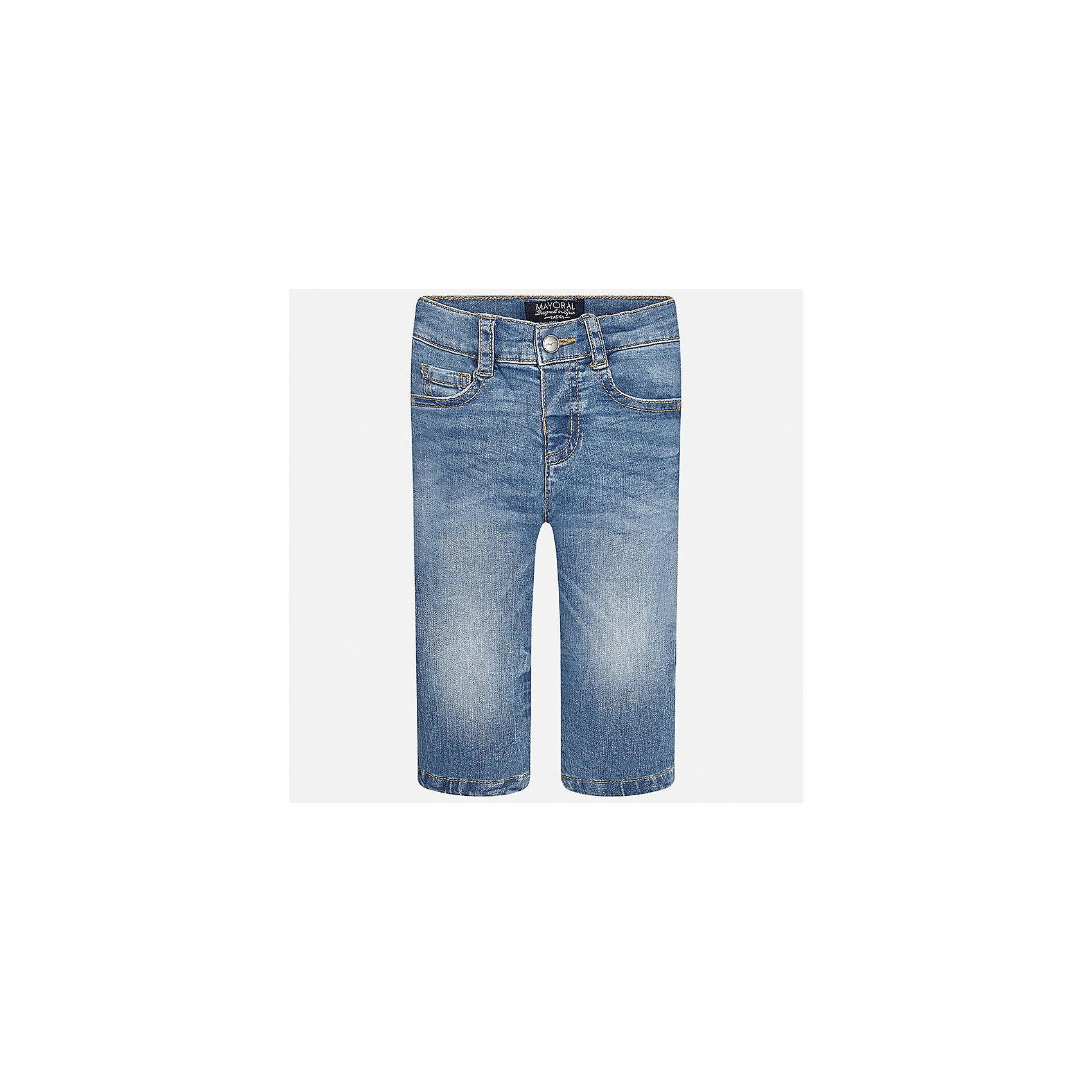 Джинсы для мальчика MayoralДжинсовая одежда<br>Характеристики товара:<br><br>• цвет: синий<br>• состав: 99% хлопок, 1% эластан<br>• имитация потертостей<br>• шлевки<br>• карманы<br>• пояс с регулировкой объема<br>• классический силуэт<br>• страна бренда: Испания<br><br>Модные брюки для мальчика смогут стать базовой вещью в гардеробе ребенка. Они отлично сочетаются с майками, футболками, рубашками и т.д. Универсальный крой и цвет позволяет подобрать к вещи верх разных расцветок. Практичное и стильное изделие! В составе материала - натуральный хлопок, гипоаллергенный, приятный на ощупь, дышащий.<br><br>Одежда, обувь и аксессуары от испанского бренда Mayoral полюбились детям и взрослым по всему миру. Модели этой марки - стильные и удобные. Для их производства используются только безопасные, качественные материалы и фурнитура. Порадуйте ребенка модными и красивыми вещами от Mayoral! <br><br>Брюки для мальчика от испанского бренда Mayoral (Майорал) можно купить в нашем интернет-магазине.<br><br>Ширина мм: 215<br>Глубина мм: 88<br>Высота мм: 191<br>Вес г: 336<br>Цвет: синий<br>Возраст от месяцев: 12<br>Возраст до месяцев: 15<br>Пол: Мужской<br>Возраст: Детский<br>Размер: 80,92,86<br>SKU: 5277620