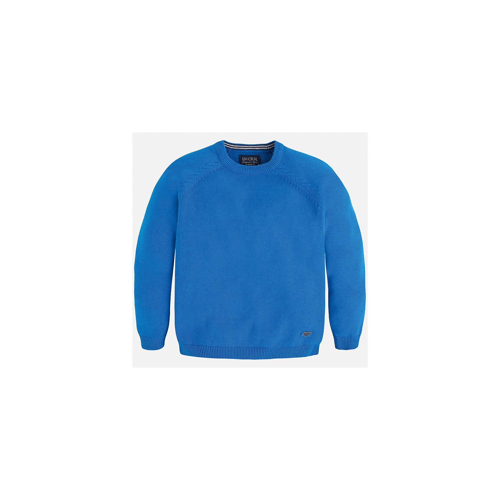 Свитер для мальчика MayoralСвитера и кардиганы<br>Характеристики товара:<br><br>• цвет: голубой<br>• состав: 60% хлопок, 30% полиэстер, 10% шерсть<br>• рукава длинные <br>• вышивка на груди<br>• округлая горловина<br>• манжеты<br>• страна бренда: Испания<br><br>Удобный и красивый свитер для мальчика поможет разнообразить гардероб ребенка и обеспечить тепло. Он отлично сочетается и с джинсами, и с брюками. Универсальный цвет позволяет подобрать к вещи низ различных расцветок. Интересная отделка модели делает её нарядной и оригинальной. В составе материала - натуральный хлопок, гипоаллергенный, приятный на ощупь, дышащий.<br><br>Одежда, обувь и аксессуары от испанского бренда Mayoral полюбились детям и взрослым по всему миру. Модели этой марки - стильные и удобные. Для их производства используются только безопасные, качественные материалы и фурнитура. Порадуйте ребенка модными и красивыми вещами от Mayoral! <br><br>Свитер для мальчика от испанского бренда Mayoral (Майорал) можно купить в нашем интернет-магазине.<br><br>Ширина мм: 190<br>Глубина мм: 74<br>Высота мм: 229<br>Вес г: 236<br>Цвет: синий<br>Возраст от месяцев: 84<br>Возраст до месяцев: 96<br>Пол: Мужской<br>Возраст: Детский<br>Размер: 110,122,134,116,128<br>SKU: 5277997