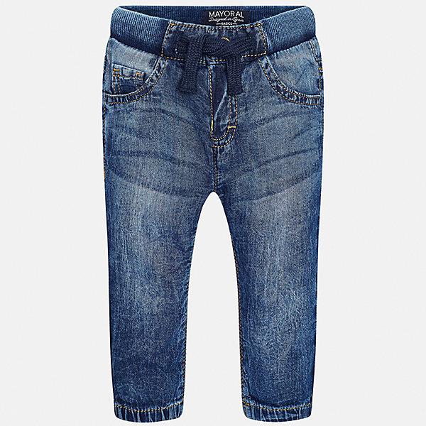 Джинсы для мальчика MayoralДжинсы и брючки<br>Характеристики товара:<br><br>• цвет: синий<br>• состав: 100% хлопок<br>• имитация потертости<br>• шлевки<br>• карманы<br>• пояс - мягкая резинка<br>• классический силуэт<br>• страна бренда: Испания<br><br>Модные джинсы для мальчика смогут стать базовой вещью в гардеробе ребенка. Они отлично сочетаются с майками, футболками, рубашками и т.д. Универсальный крой и цвет позволяет подобрать к вещи верх разных расцветок. Практичное и стильное изделие! В составе материала - натуральный хлопок, гипоаллергенный, приятный на ощупь, дышащий.<br><br>Одежда, обувь и аксессуары от испанского бренда Mayoral полюбились детям и взрослым по всему миру. Модели этой марки - стильные и удобные. Для их производства используются только безопасные, качественные материалы и фурнитура. Порадуйте ребенка модными и красивыми вещами от Mayoral! <br><br>Джинсы для мальчика от испанского бренда Mayoral (Майорал) можно купить в нашем интернет-магазине.<br><br>Ширина мм: 215<br>Глубина мм: 88<br>Высота мм: 191<br>Вес г: 336<br>Цвет: синий<br>Возраст от месяцев: 12<br>Возраст до месяцев: 18<br>Пол: Мужской<br>Возраст: Детский<br>Размер: 86,80,92<br>SKU: 5278017