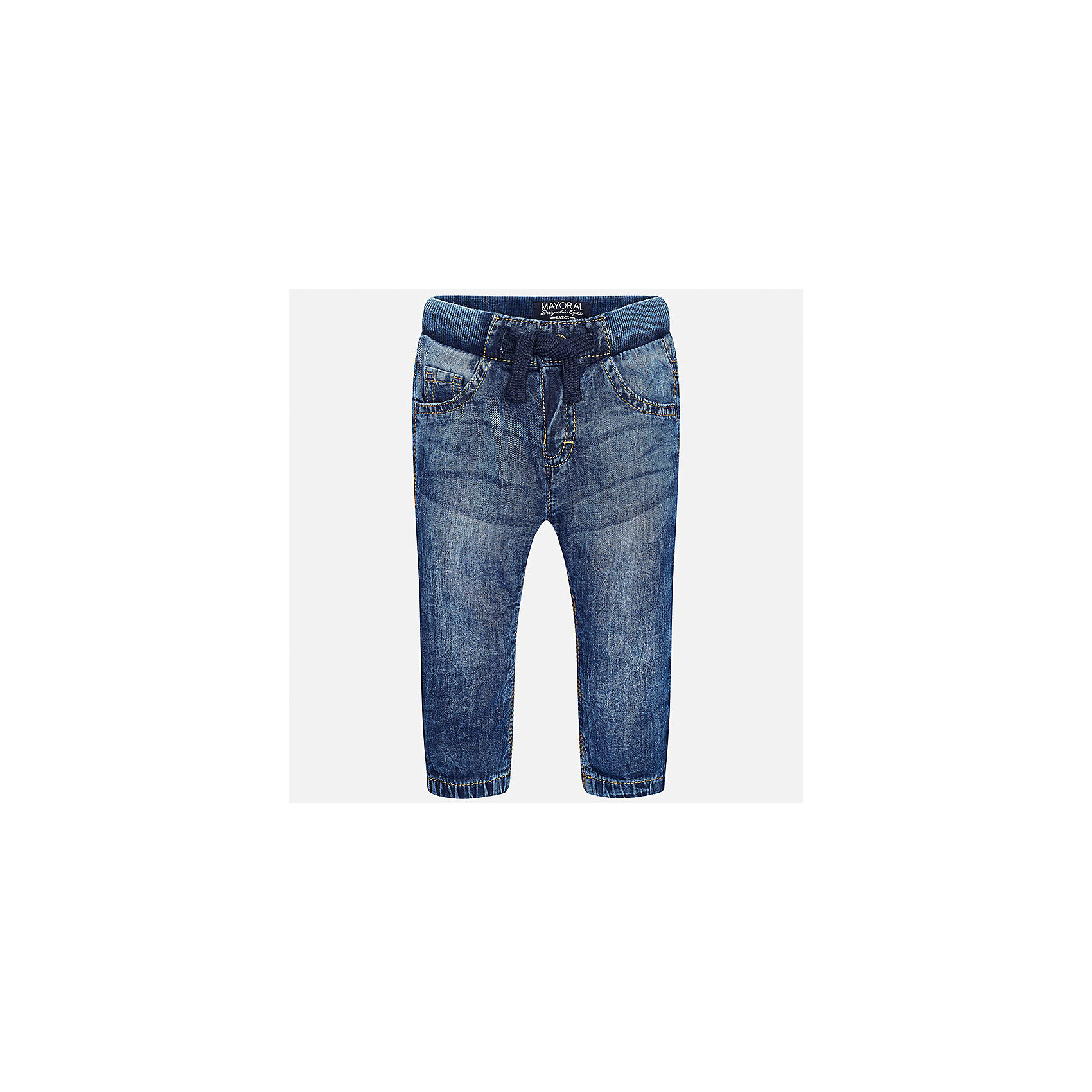 Джинсы для мальчика MayoralДжинсы и брючки<br>Характеристики товара:<br><br>• цвет: синий<br>• состав: 100% хлопок<br>• имитация потертости<br>• шлевки<br>• карманы<br>• пояс - мягкая резинка<br>• классический силуэт<br>• страна бренда: Испания<br><br>Модные джинсы для мальчика смогут стать базовой вещью в гардеробе ребенка. Они отлично сочетаются с майками, футболками, рубашками и т.д. Универсальный крой и цвет позволяет подобрать к вещи верх разных расцветок. Практичное и стильное изделие! В составе материала - натуральный хлопок, гипоаллергенный, приятный на ощупь, дышащий.<br><br>Одежда, обувь и аксессуары от испанского бренда Mayoral полюбились детям и взрослым по всему миру. Модели этой марки - стильные и удобные. Для их производства используются только безопасные, качественные материалы и фурнитура. Порадуйте ребенка модными и красивыми вещами от Mayoral! <br><br>Джинсы для мальчика от испанского бренда Mayoral (Майорал) можно купить в нашем интернет-магазине.<br><br>Ширина мм: 215<br>Глубина мм: 88<br>Высота мм: 191<br>Вес г: 336<br>Цвет: синий<br>Возраст от месяцев: 12<br>Возраст до месяцев: 15<br>Пол: Мужской<br>Возраст: Детский<br>Размер: 80,86,92<br>SKU: 5278017