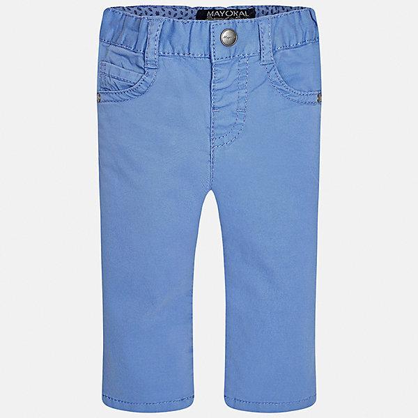 Брюки для мальчика MayoralБрюки<br>Характеристики товара:<br><br>• цвет: голубой<br>• состав: 98% хлопок, 2% эластан<br>• контрастная прострочка<br>• шлевки<br>• карманы<br>• пояс с регулировкой размера<br>• классический силуэт<br>• страна бренда: Испания<br><br>Модные брюки для мальчика смогут стать базовой вещью в гардеробе ребенка. Они отлично сочетаются с майками, футболками, рубашками и т.д. Практичное и стильное изделие! В составе материала - натуральный хлопок, гипоаллергенный, приятный на ощупь, дышащий.<br><br>Брюки для мальчика от испанского бренда Mayoral (Майорал) можно купить в нашем интернет-магазине.<br>Ширина мм: 215; Глубина мм: 88; Высота мм: 191; Вес г: 336; Цвет: белый; Возраст от месяцев: 12; Возраст до месяцев: 18; Пол: Мужской; Возраст: Детский; Размер: 86,80,92; SKU: 5278021;