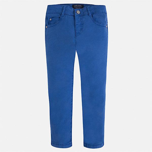 Брюки для мальчика MayoralБрюки<br>Характеристики товара:<br><br>• цвет: синий<br>• состав: 98% хлопок, 2% эластан<br>• застежка: кнопка<br>• шлевки<br>• карманы<br>• пояс с регулировкой размера<br>• классический силуэт<br>• страна бренда: Испания<br><br>Модные брюки для мальчика смогут стать базовой вещью в гардеробе ребенка. Они отлично сочетаются с майками, футболками, рубашками и т.д. Универсальный крой и цвет позволяет подобрать к вещи верх разных расцветок. Практичное и стильное изделие! В составе материала - натуральный хлопок, гипоаллергенный, приятный на ощупь, дышащий.<br><br>Одежда, обувь и аксессуары от испанского бренда Mayoral полюбились детям и взрослым по всему миру. Модели этой марки - стильные и удобные. Для их производства используются только безопасные, качественные материалы и фурнитура. Порадуйте ребенка модными и красивыми вещами от Mayoral! <br><br>Брюки для мальчика от испанского бренда Mayoral (Майорал) можно купить в нашем интернет-магазине.<br><br>Ширина мм: 215<br>Глубина мм: 88<br>Высота мм: 191<br>Вес г: 336<br>Цвет: синий<br>Возраст от месяцев: 18<br>Возраст до месяцев: 24<br>Пол: Мужской<br>Возраст: Детский<br>Размер: 92,122,128,116,110,104,98,134<br>SKU: 5278044
