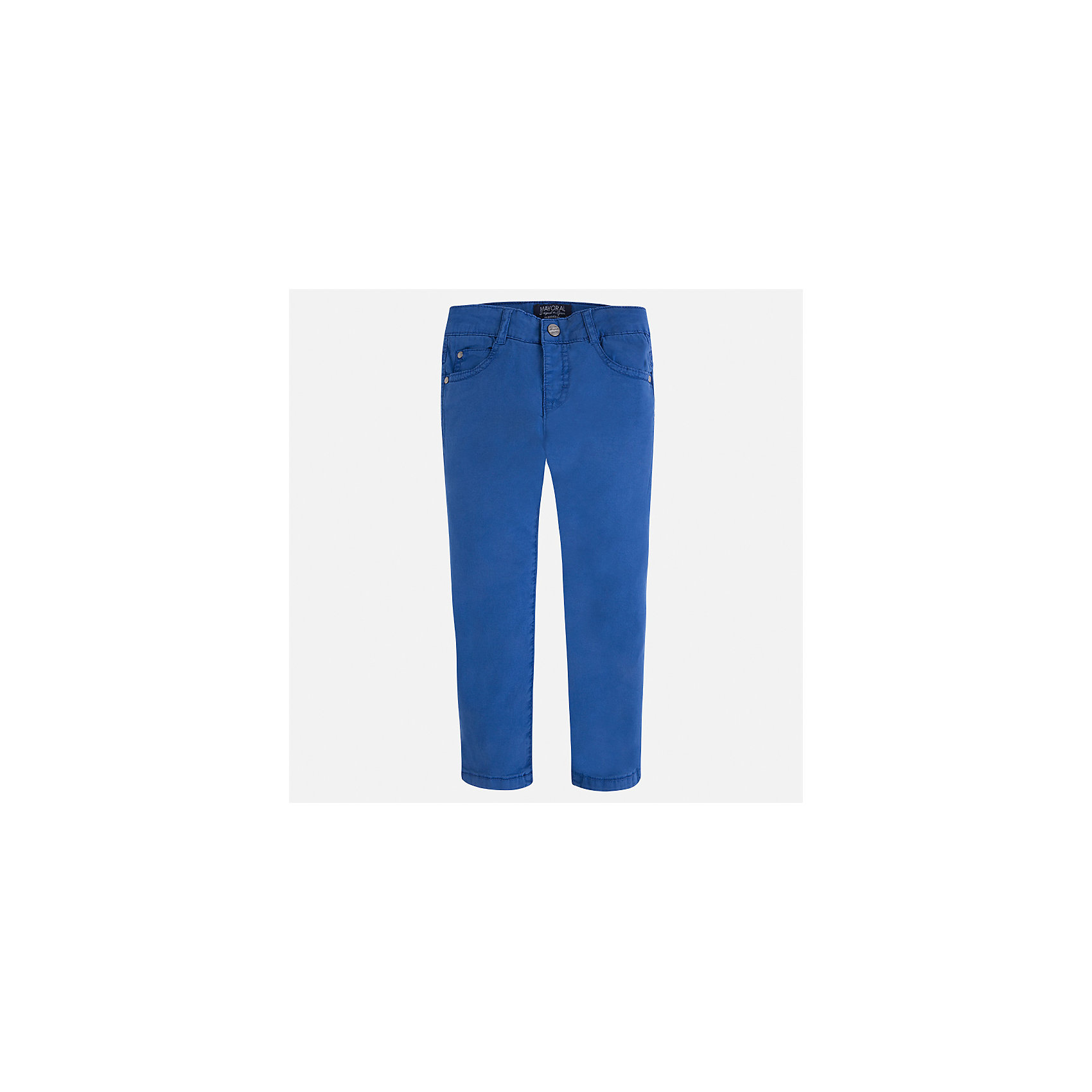 Брюки для мальчика MayoralБрюки<br>Характеристики товара:<br><br>• цвет: синий<br>• состав: 98% хлопок, 2% эластан<br>• застежка: кнопка<br>• шлевки<br>• карманы<br>• пояс с регулировкой размера<br>• классический силуэт<br>• страна бренда: Испания<br><br>Модные брюки для мальчика смогут стать базовой вещью в гардеробе ребенка. Они отлично сочетаются с майками, футболками, рубашками и т.д. Универсальный крой и цвет позволяет подобрать к вещи верх разных расцветок. Практичное и стильное изделие! В составе материала - натуральный хлопок, гипоаллергенный, приятный на ощупь, дышащий.<br><br>Одежда, обувь и аксессуары от испанского бренда Mayoral полюбились детям и взрослым по всему миру. Модели этой марки - стильные и удобные. Для их производства используются только безопасные, качественные материалы и фурнитура. Порадуйте ребенка модными и красивыми вещами от Mayoral! <br><br>Брюки для мальчика от испанского бренда Mayoral (Майорал) можно купить в нашем интернет-магазине.<br><br>Ширина мм: 215<br>Глубина мм: 88<br>Высота мм: 191<br>Вес г: 336<br>Цвет: синий<br>Возраст от месяцев: 96<br>Возраст до месяцев: 108<br>Пол: Мужской<br>Возраст: Детский<br>Размер: 134,128,122,92,98,104,110,116<br>SKU: 5278044