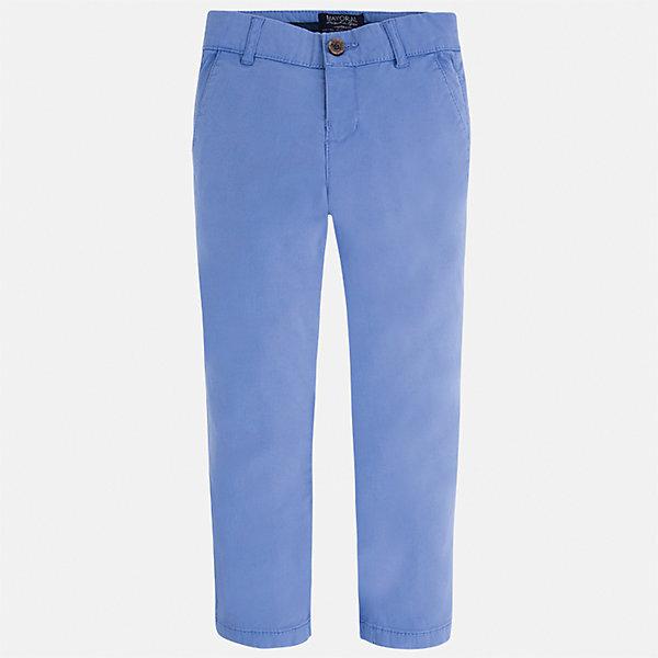 Брюки для мальчика MayoralПолоска<br>Характеристики товара:<br><br>• цвет: голубой<br>• состав: 98% хлопок, 2% эластан<br>• застежка: кнопка<br>• шлевки<br>• карманы<br>• пояс с регулировкой размера<br>• классический силуэт<br>• страна бренда: Испания<br><br>Стильные и удобные брюки для мальчика смогут стать базовой вещью в гардеробе ребенка. Они отлично сочетаются с майками, футболками, рубашками и т.д. Универсальный крой и цвет позволяет подобрать к вещи верх разных расцветок. Практичное и стильное изделие! В составе материала - натуральный хлопок, гипоаллергенный, приятный на ощупь, дышащий.<br><br>Одежда, обувь и аксессуары от испанского бренда Mayoral полюбились детям и взрослым по всему миру. Модели этой марки - стильные и удобные. Для их производства используются только безопасные, качественные материалы и фурнитура. Порадуйте ребенка модными и красивыми вещами от Mayoral! <br><br>Брюки для мальчика от испанского бренда Mayoral (Майорал) можно купить в нашем интернет-магазине.<br><br>Ширина мм: 215<br>Глубина мм: 88<br>Высота мм: 191<br>Вес г: 336<br>Цвет: голубой<br>Возраст от месяцев: 18<br>Возраст до месяцев: 24<br>Пол: Мужской<br>Возраст: Детский<br>Размер: 92,116,128,122,134,98,104,110<br>SKU: 5278080