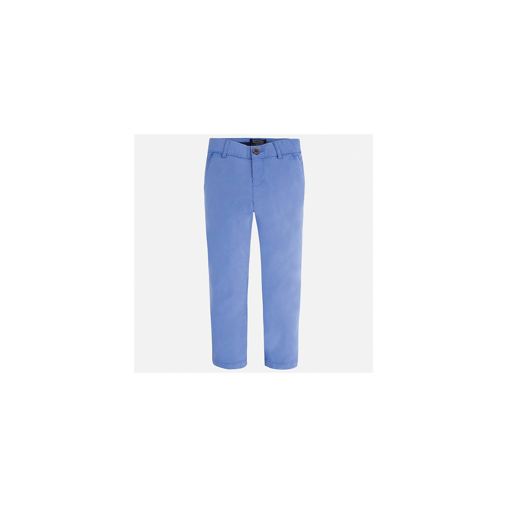 Брюки для мальчика MayoralПолоска<br>Характеристики товара:<br><br>• цвет: голубой<br>• состав: 98% хлопок, 2% эластан<br>• застежка: кнопка<br>• шлевки<br>• карманы<br>• пояс с регулировкой размера<br>• классический силуэт<br>• страна бренда: Испания<br><br>Стильные и удобные брюки для мальчика смогут стать базовой вещью в гардеробе ребенка. Они отлично сочетаются с майками, футболками, рубашками и т.д. Универсальный крой и цвет позволяет подобрать к вещи верх разных расцветок. Практичное и стильное изделие! В составе материала - натуральный хлопок, гипоаллергенный, приятный на ощупь, дышащий.<br><br>Одежда, обувь и аксессуары от испанского бренда Mayoral полюбились детям и взрослым по всему миру. Модели этой марки - стильные и удобные. Для их производства используются только безопасные, качественные материалы и фурнитура. Порадуйте ребенка модными и красивыми вещами от Mayoral! <br><br>Брюки для мальчика от испанского бренда Mayoral (Майорал) можно купить в нашем интернет-магазине.<br><br>Ширина мм: 215<br>Глубина мм: 88<br>Высота мм: 191<br>Вес г: 336<br>Цвет: голубой<br>Возраст от месяцев: 18<br>Возраст до месяцев: 24<br>Пол: Мужской<br>Возраст: Детский<br>Размер: 92,128,116,110,104,98,134,122<br>SKU: 5278080