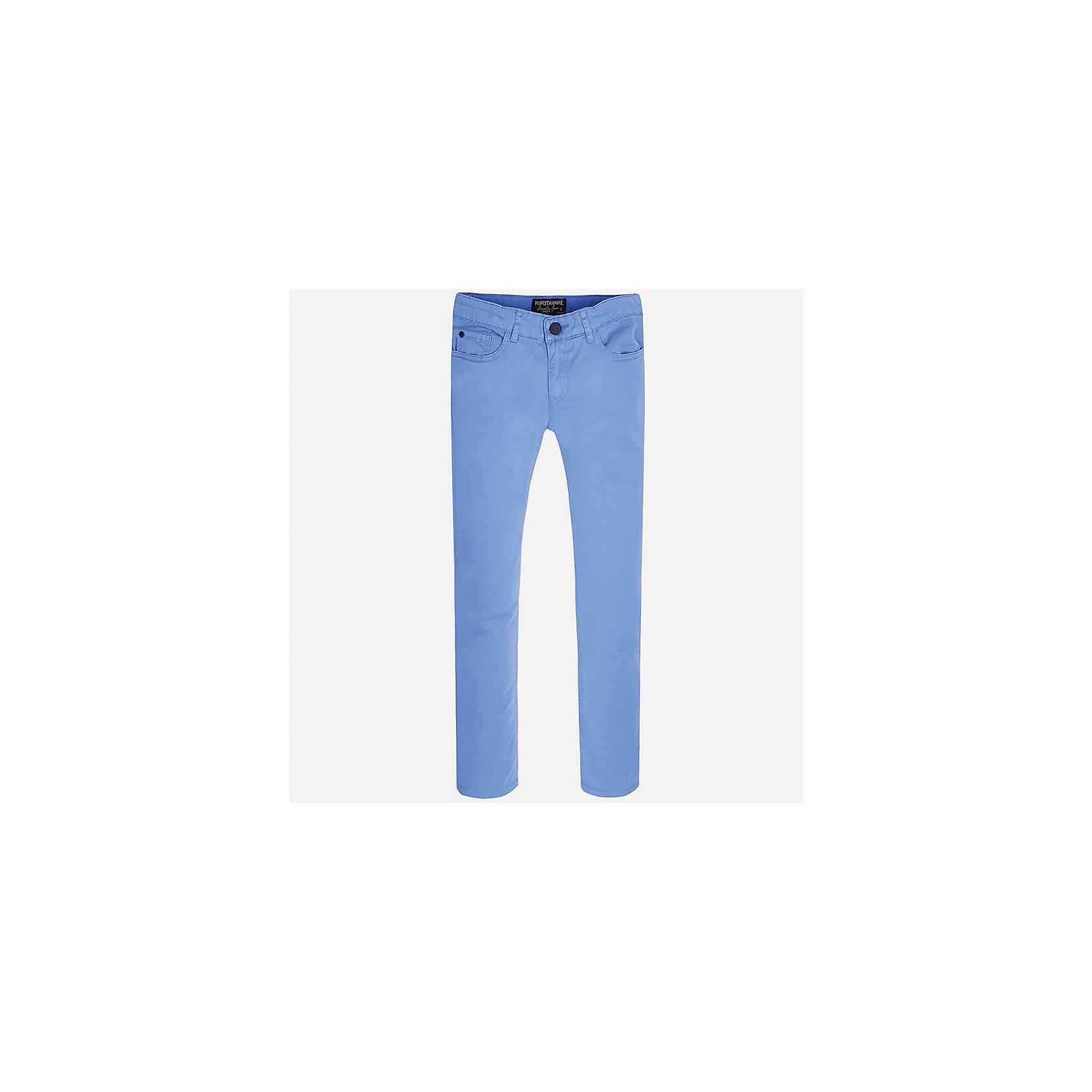 Брюки для мальчика MayoralХарактеристики товара:<br><br>• цвет: голубой<br>• состав: 98% хлопок, 2% эластан<br>• застежка: пуговица<br>• шлевки<br>• карманы<br>• пояс с регулировкой размера<br>• классический силуэт<br>• страна бренда: Испания<br><br>Стильные и удобные брюки для мальчика смогут стать базовой вещью в гардеробе ребенка. Они отлично сочетаются с майками, футболками, рубашками и т.д. Универсальный крой и цвет позволяет подобрать к вещи верх разных расцветок. Практичное и стильное изделие! В составе материала - натуральный хлопок, гипоаллергенный, приятный на ощупь, дышащий.<br><br>Одежда, обувь и аксессуары от испанского бренда Mayoral полюбились детям и взрослым по всему миру. Модели этой марки - стильные и удобные. Для их производства используются только безопасные, качественные материалы и фурнитура. Порадуйте ребенка модными и красивыми вещами от Mayoral! <br><br>Брюки для мальчика от испанского бренда Mayoral (Майорал) можно купить в нашем интернет-магазине.<br><br>Ширина мм: 215<br>Глубина мм: 88<br>Высота мм: 191<br>Вес г: 336<br>Цвет: голубой<br>Возраст от месяцев: 84<br>Возраст до месяцев: 96<br>Пол: Мужской<br>Возраст: Детский<br>Размер: 128/134,158,170,164,152,140<br>SKU: 5278108