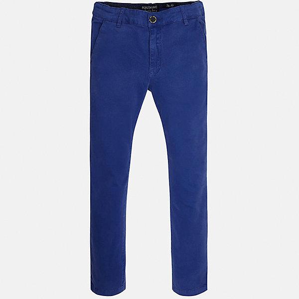 Брюки для мальчика MayoralБрюки<br>Характеристики товара:<br><br>• цвет: синий<br>• состав: 97% хлопок, 3% эластан<br>• застежка: пуговица<br>• шлевки<br>• карманы<br>• пояс с регулировкой размера<br>• классический силуэт<br>• страна бренда: Испания<br><br>Стильные и удобные брюки для мальчика смогут стать базовой вещью в гардеробе ребенка. Они отлично сочетаются с майками, футболками, рубашками и т.д. Универсальный крой и цвет позволяет подобрать к вещи верх разных расцветок. Практичное и стильное изделие! В составе материала - натуральный хлопок, гипоаллергенный, приятный на ощупь, дышащий.<br><br>Одежда, обувь и аксессуары от испанского бренда Mayoral полюбились детям и взрослым по всему миру. Модели этой марки - стильные и удобные. Для их производства используются только безопасные, качественные материалы и фурнитура. Порадуйте ребенка модными и красивыми вещами от Mayoral! <br><br>Брюки для мальчика от испанского бренда Mayoral (Майорал) можно купить в нашем интернет-магазине.<br>Ширина мм: 215; Глубина мм: 88; Высота мм: 191; Вес г: 336; Цвет: синий; Возраст от месяцев: 156; Возраст до месяцев: 168; Пол: Мужской; Возраст: Детский; Размер: 170,164,158,152,128/134,140; SKU: 5278134;