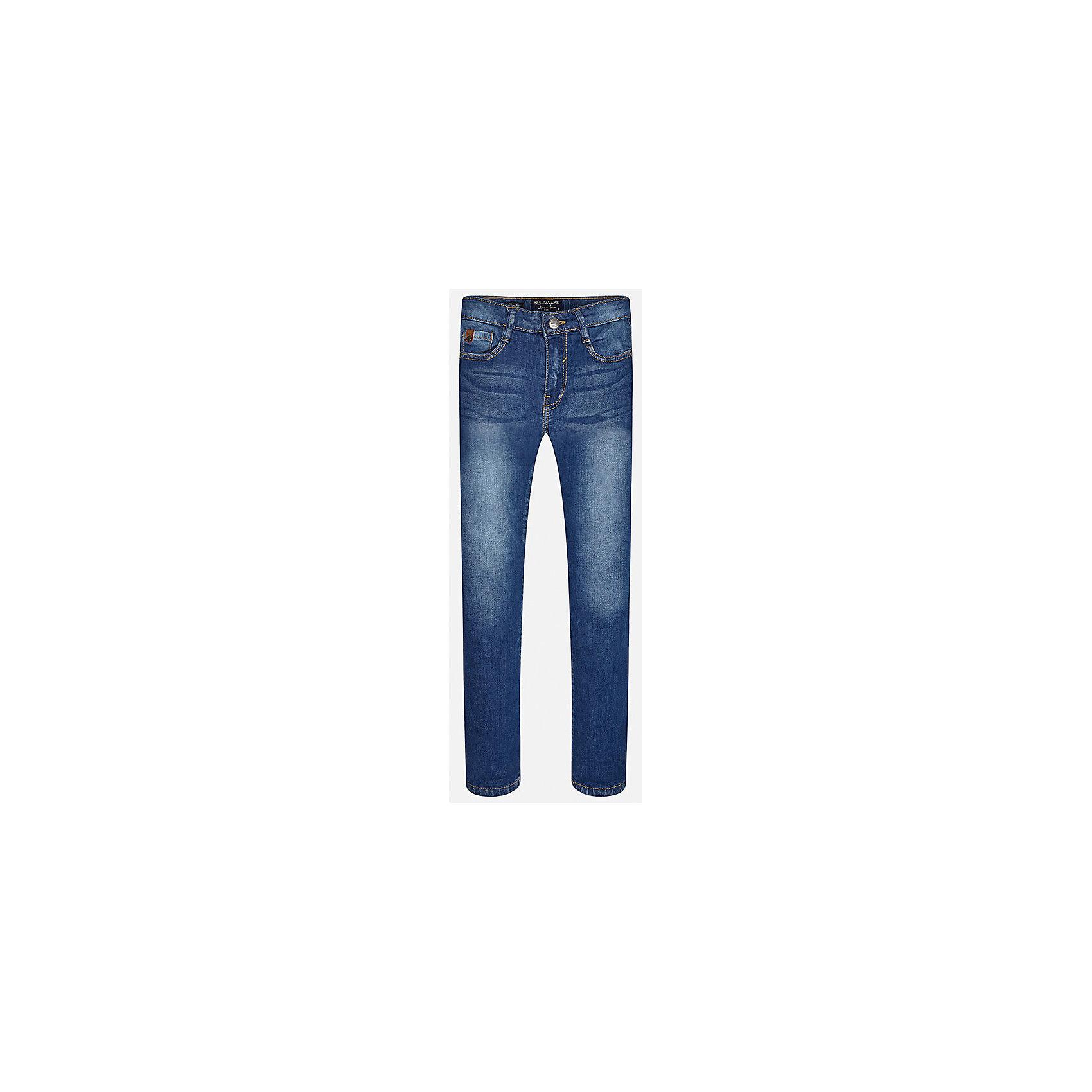 Джинсы для мальчика MayoralДжинсовая одежда<br>Характеристики товара:<br><br>• цвет: синий<br>• состав: 97% хлопок, 3% эластан<br>• эффект потертости<br>• карманы<br>• пояс с регулировкой объема<br>• шлевки<br>• страна бренда: Испания<br><br>Стильные джинсы для мальчика смогут разнообразить гардероб ребенка и украсить наряд. Они отлично сочетаются с майками, футболками, блузками. Красивый оттенок позволяет подобрать к вещи верх разных расцветок. Интересный крой модели делает её нарядной и оригинальной. В составе материала - натуральный хлопок, гипоаллергенный, приятный на ощупь, дышащий.<br><br>Одежда, обувь и аксессуары от испанского бренда Mayoral полюбились детям и взрослым по всему миру. Модели этой марки - стильные и удобные. Для их производства используются только безопасные, качественные материалы и фурнитура. Порадуйте ребенка модными и красивыми вещами от Mayoral! <br><br>Джинсы для мальчика от испанского бренда Mayoral (Майорал) можно купить в нашем интернет-магазине.<br><br>Ширина мм: 215<br>Глубина мм: 88<br>Высота мм: 191<br>Вес г: 336<br>Цвет: синий<br>Возраст от месяцев: 132<br>Возраст до месяцев: 144<br>Пол: Мужской<br>Возраст: Детский<br>Размер: 158,170,140,152,128/134,164<br>SKU: 5278148