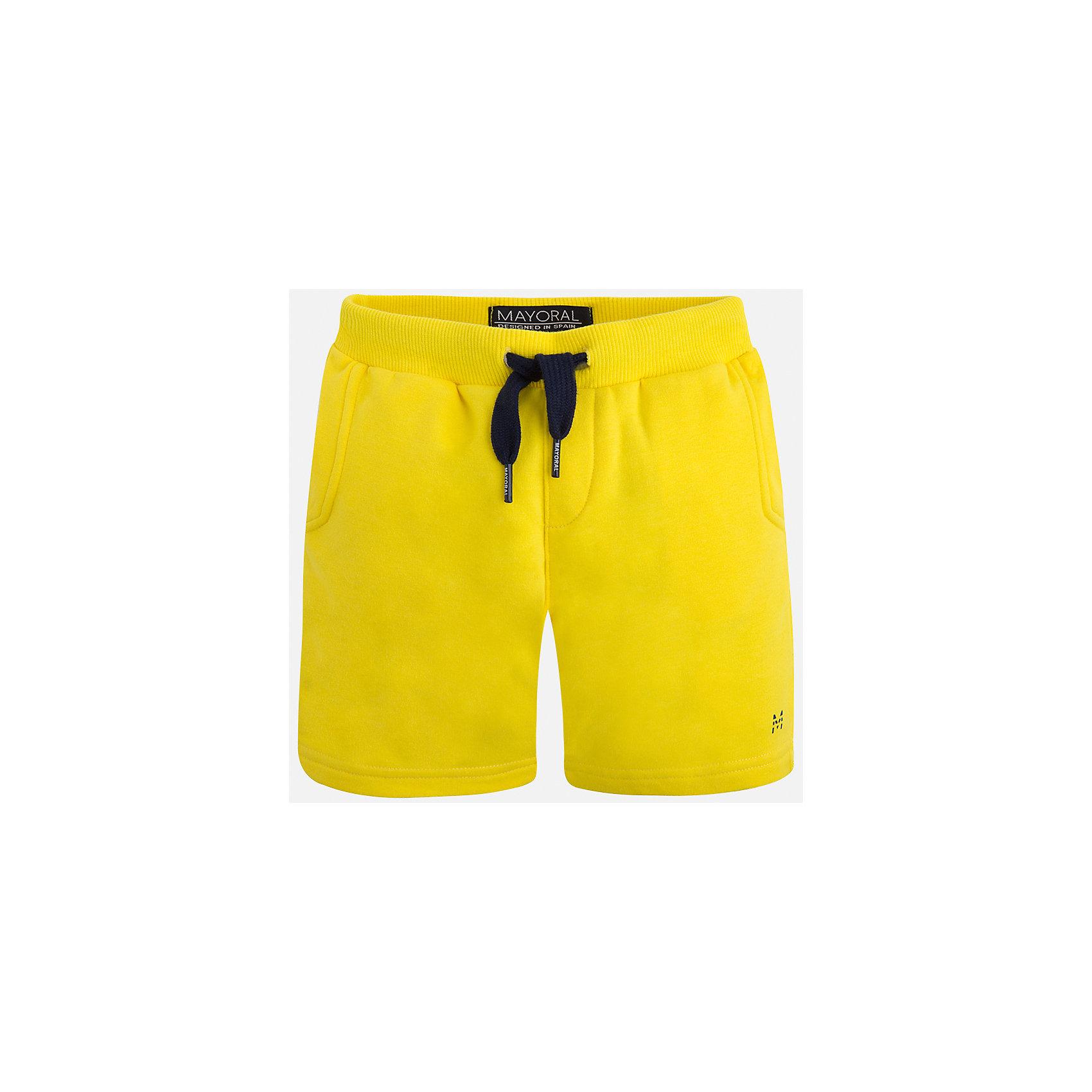Шорты для мальчика MayoralШорты, бриджи, капри<br>Характеристики товара:<br><br>• цвет: желтый<br>• состав: 58% хлопок, 38% полиэстер, 4% эластан<br>• средняя длина<br>• карманы<br>• пояс - резинка со шнурком<br>• мягкий материал<br>• страна бренда: Испания<br><br>Спортивные шорты для мальчика помогут обеспечить ребенку комфорт. Они отлично сочетаются с майками, футболками, курточками в спортивном стиле. Универсальный крой и цвет позволяет подобрать к вещи верх разных расцветок. Практичное и стильное изделие! В составе материала - натуральный хлопок, гипоаллергенный, приятный на ощупь, дышащий.<br><br>Одежда, обувь и аксессуары от испанского бренда Mayoral полюбились детям и взрослым по всему миру. Модели этой марки - стильные и удобные. Для их производства используются только безопасные, качественные материалы и фурнитура. Порадуйте ребенка модными и красивыми вещами от Mayoral! <br><br>Шорты для мальчика от испанского бренда Mayoral (Майорал) можно купить в нашем интернет-магазине.<br><br>Ширина мм: 191<br>Глубина мм: 10<br>Высота мм: 175<br>Вес г: 273<br>Цвет: желтый<br>Возраст от месяцев: 18<br>Возраст до месяцев: 24<br>Пол: Мужской<br>Возраст: Детский<br>Размер: 92,98,104,110<br>SKU: 5278160