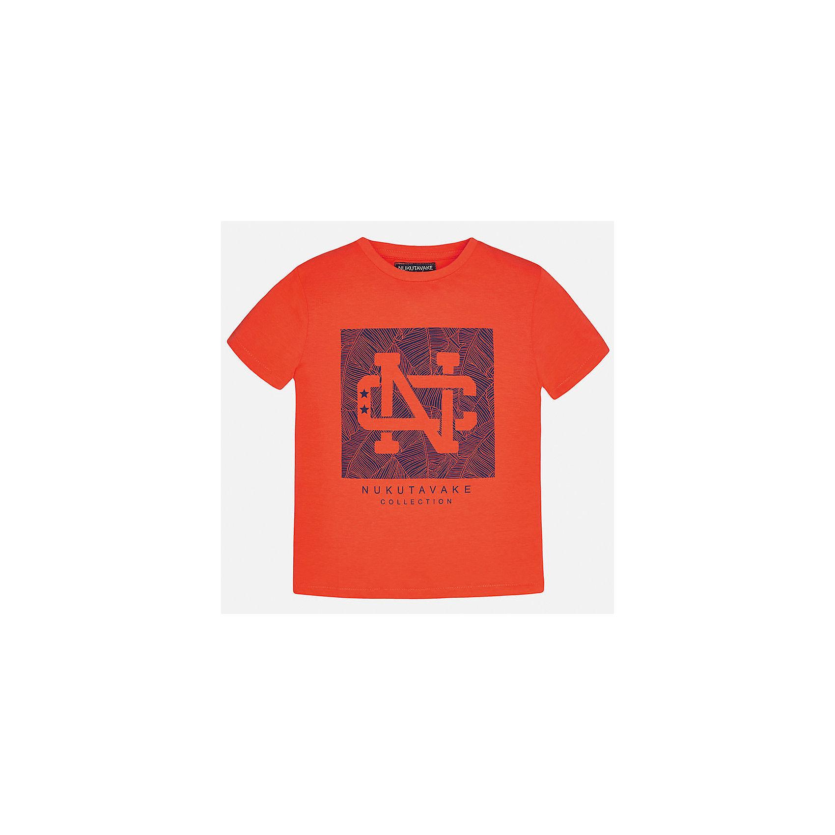 Футболка для мальчика MayoralХарактеристики товара:<br><br>• цвет: красный<br>• состав: 100% хлопок<br>• круглый горловой вырез<br>• декорирована принтом<br>• короткие рукава<br>• отделка горловины<br>• страна бренда: Испания<br><br>Стильная удобная футболка с принтом поможет разнообразить гардероб мальчика. Она отлично сочетается с брюками, шортами, джинсами. Универсальный крой и цвет позволяет подобрать к вещи низ разных расцветок. Практичное и стильное изделие! Хорошо смотрится и комфортно сидит на детях. В составе материала - натуральный хлопок, гипоаллергенный, приятный на ощупь, дышащий. <br><br>Одежда, обувь и аксессуары от испанского бренда Mayoral полюбились детям и взрослым по всему миру. Модели этой марки - стильные и удобные. Для их производства используются только безопасные, качественные материалы и фурнитура. Порадуйте ребенка модными и красивыми вещами от Mayoral! <br><br>Футболку для мальчика от испанского бренда Mayoral (Майорал) можно купить в нашем интернет-магазине.<br><br>Ширина мм: 199<br>Глубина мм: 10<br>Высота мм: 161<br>Вес г: 151<br>Цвет: красный<br>Возраст от месяцев: 156<br>Возраст до месяцев: 168<br>Пол: Мужской<br>Возраст: Детский<br>Размер: 170,164,158,152,140,128/134<br>SKU: 5278265