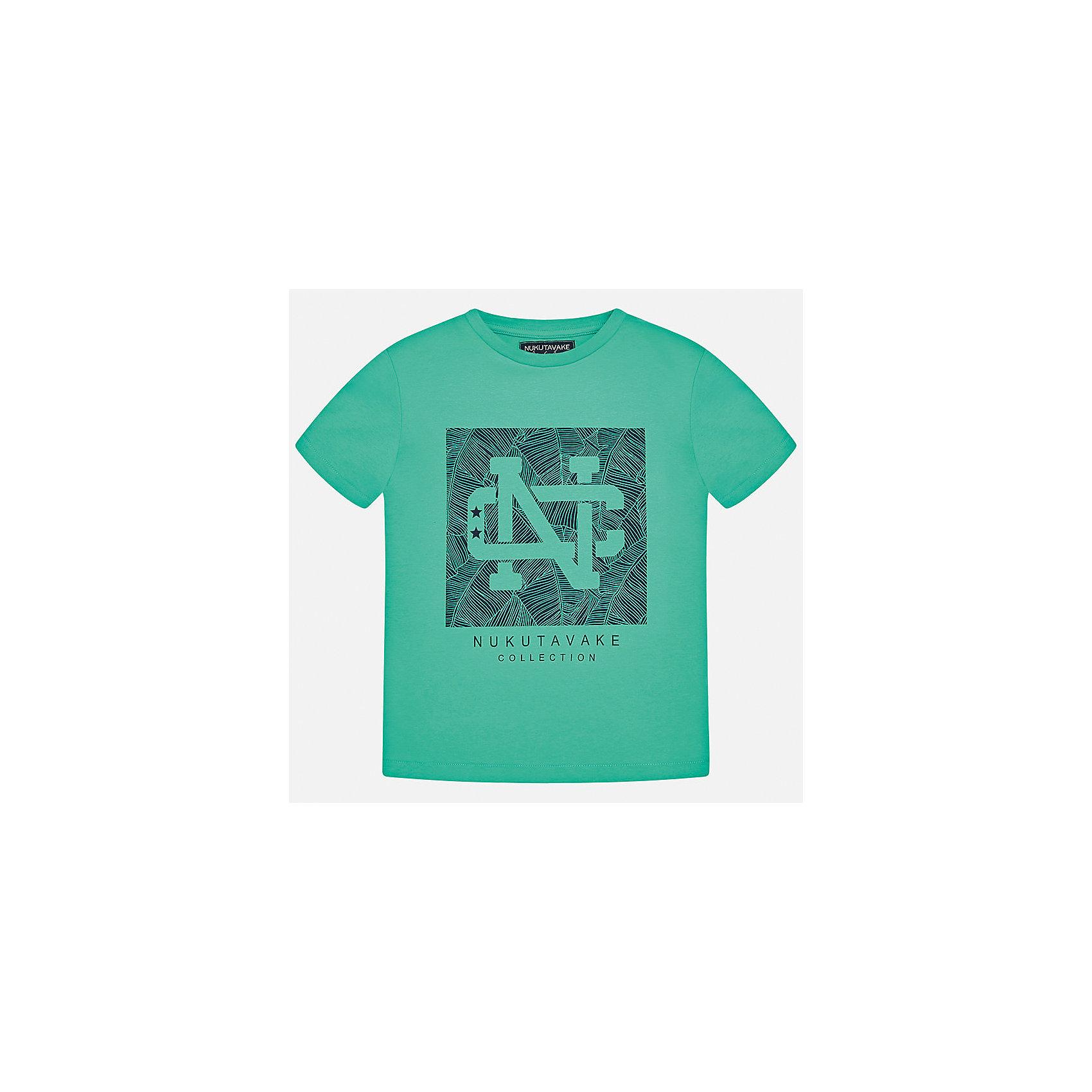 Футболка для мальчика MayoralФутболки, поло и топы<br>Характеристики товара:<br><br>• цвет: зеленый<br>• состав: 100% хлопок<br>• круглый горловой вырез<br>• декорирована принтом<br>• короткие рукава<br>• отделка горловины<br>• страна бренда: Испания<br><br>Стильная удобная футболка с принтом поможет разнообразить гардероб мальчика. Она отлично сочетается с брюками, шортами, джинсами. Универсальный крой и цвет позволяет подобрать к вещи низ разных расцветок. Практичное и стильное изделие! Хорошо смотрится и комфортно сидит на детях. В составе материала - натуральный хлопок, гипоаллергенный, приятный на ощупь, дышащий. <br><br>Одежда, обувь и аксессуары от испанского бренда Mayoral полюбились детям и взрослым по всему миру. Модели этой марки - стильные и удобные. Для их производства используются только безопасные, качественные материалы и фурнитура. Порадуйте ребенка модными и красивыми вещами от Mayoral! <br><br>Футболку для мальчика от испанского бренда Mayoral (Майорал) можно купить в нашем интернет-магазине.<br><br>Ширина мм: 199<br>Глубина мм: 10<br>Высота мм: 161<br>Вес г: 151<br>Цвет: зеленый<br>Возраст от месяцев: 156<br>Возраст до месяцев: 168<br>Пол: Мужской<br>Возраст: Детский<br>Размер: 170,158,140,128/134,152,164<br>SKU: 5278279