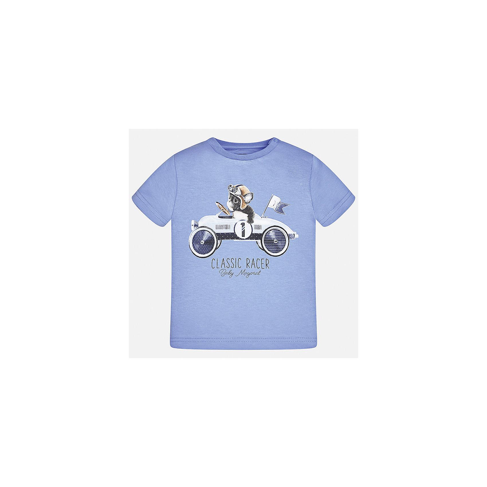 Футболка для мальчика MayoralФутболки, топы<br>Характеристики товара:<br><br>• цвет: голубой<br>• состав: 100% хлопок<br>• круглый горловой вырез<br>• декорирована принтом<br>• короткие рукава<br>• мягкая отделка горловины<br>• страна бренда: Испания<br><br>Стильная удобная футболка с принтом поможет разнообразить гардероб мальчика. Она отлично сочетается с брюками, шортами, джинсами. Практичное и стильное изделие! Хорошо смотрится и комфортно сидит на детях. В составе материала - натуральный хлопок, гипоаллергенный, приятный на ощупь, дышащий. <br><br>Футболку для мальчика от испанского бренда Mayoral (Майорал) можно купить в нашем интернет-магазине.<br><br>Ширина мм: 199<br>Глубина мм: 10<br>Высота мм: 161<br>Вес г: 151<br>Цвет: белый<br>Возраст от месяцев: 6<br>Возраст до месяцев: 9<br>Пол: Мужской<br>Возраст: Детский<br>Размер: 74,86,92,80<br>SKU: 5278387