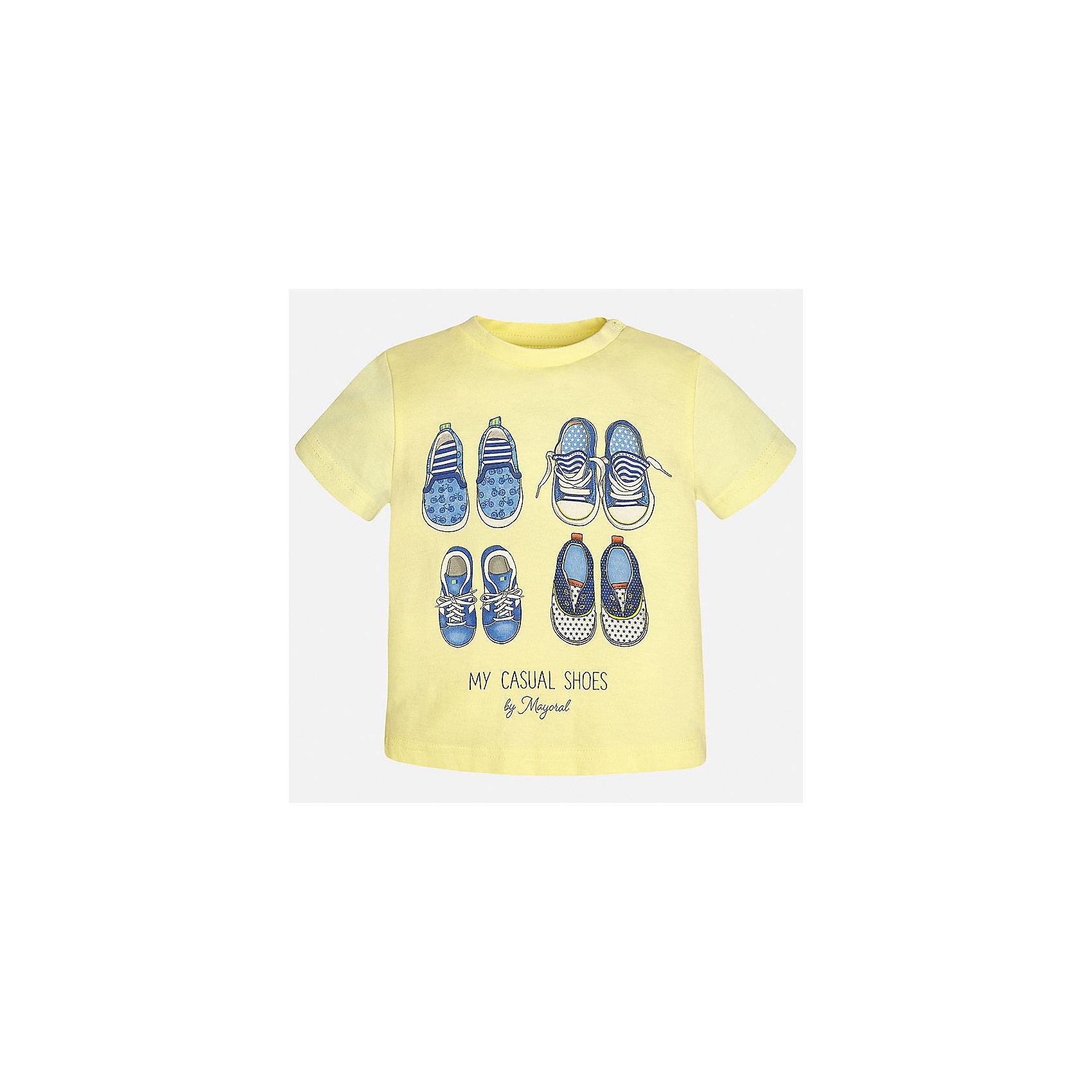 Футболка для мальчика MayoralФутболки, топы<br>Характеристики товара:<br><br>• цвет: желтый<br>• состав: 100% хлопок<br>• круглый горловой вырез<br>• декорирована принтом<br>• короткие рукава<br>• мягкая отделка горловины<br>• страна бренда: Испания<br><br>Стильная удобная футболка с принтом поможет разнообразить гардероб мальчика. Она отлично сочетается с брюками, шортами, джинсами. Универсальный крой и цвет позволяет подобрать к вещи низ разных расцветок. Практичное и стильное изделие! Хорошо смотрится и комфортно сидит на детях. В составе материала - натуральный хлопок, гипоаллергенный, приятный на ощупь, дышащий. <br><br>Одежда, обувь и аксессуары от испанского бренда Mayoral полюбились детям и взрослым по всему миру. Модели этой марки - стильные и удобные. Для их производства используются только безопасные, качественные материалы и фурнитура. Порадуйте ребенка модными и красивыми вещами от Mayoral! <br><br>Футболку для мальчика от испанского бренда Mayoral (Майорал) можно купить в нашем интернет-магазине.<br><br>Ширина мм: 199<br>Глубина мм: 10<br>Высота мм: 161<br>Вес г: 151<br>Цвет: оранжевый<br>Возраст от месяцев: 12<br>Возраст до месяцев: 18<br>Пол: Мужской<br>Возраст: Детский<br>Размер: 86,80,92<br>SKU: 5278405