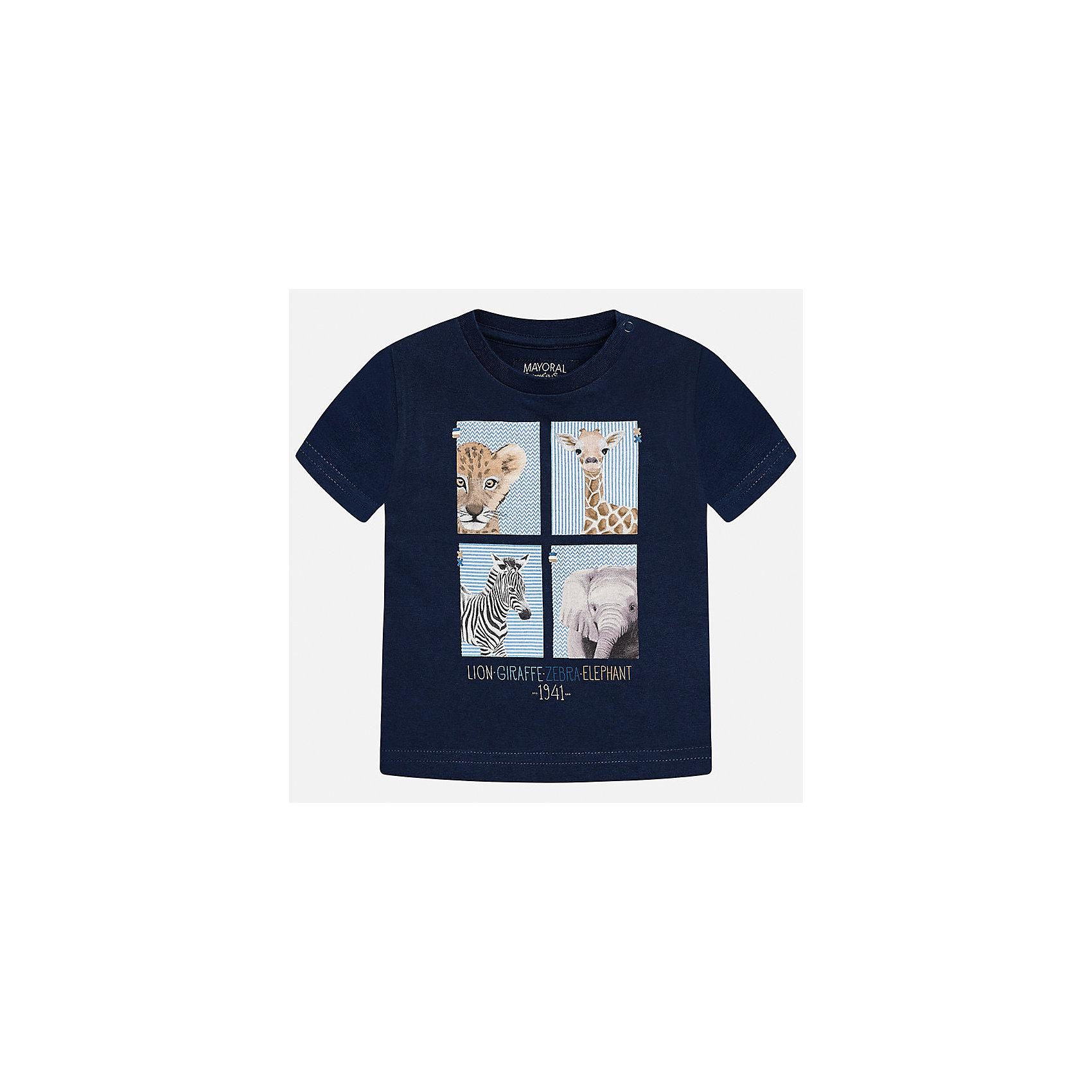 Футболка для мальчика MayoralХарактеристики товара:<br><br>• цвет: тёмно-синий<br>• состав: 100% хлопок<br>• круглый горловой вырез<br>• декорирована принтом<br>• короткие рукава<br>• мягкая отделка горловины<br>• страна бренда: Испания<br><br>Стильная удобная футболка с принтом поможет разнообразить гардероб мальчика. Она отлично сочетается с брюками, шортами, джинсами. Универсальный крой и цвет позволяет подобрать к вещи низ разных расцветок. Практичное и стильное изделие! Хорошо смотрится и комфортно сидит на детях. В составе материала - натуральный хлопок, гипоаллергенный, приятный на ощупь, дышащий. <br><br>Одежда, обувь и аксессуары от испанского бренда Mayoral полюбились детям и взрослым по всему миру. Модели этой марки - стильные и удобные. Для их производства используются только безопасные, качественные материалы и фурнитура. Порадуйте ребенка модными и красивыми вещами от Mayoral! <br><br>Футболку для мальчика от испанского бренда Mayoral (Майорал) можно купить в нашем интернет-магазине.<br><br>Ширина мм: 199<br>Глубина мм: 10<br>Высота мм: 161<br>Вес г: 151<br>Цвет: синий<br>Возраст от месяцев: 12<br>Возраст до месяцев: 15<br>Пол: Мужской<br>Возраст: Детский<br>Размер: 80,92,86<br>SKU: 5278433