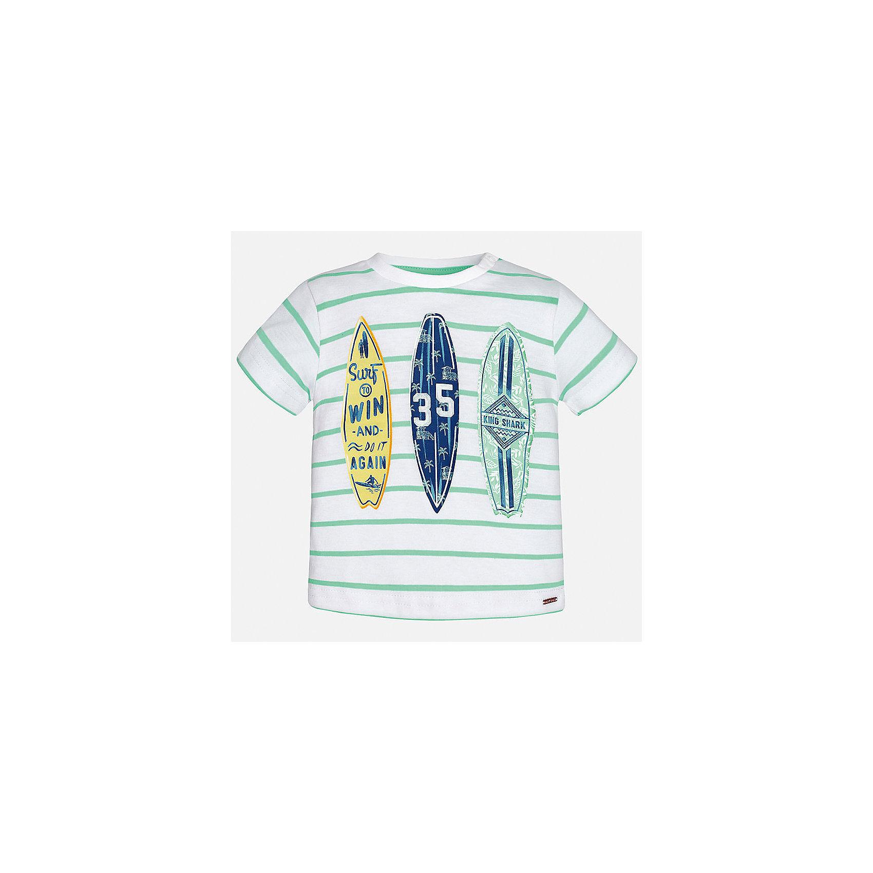 Футболка для мальчика MayoralФутболки, топы<br>Характеристики товара:<br><br>• цвет: белый/зеленый<br>• состав: 100% хлопок<br>• круглый горловой вырез<br>• декорирована принтом<br>• короткие рукава<br>• мягкая отделка горловины<br>• страна бренда: Испания<br><br>Стильная удобная футболка с принтом поможет разнообразить гардероб мальчика. Она отлично сочетается с брюками, шортами, джинсами. Универсальный крой и цвет позволяет подобрать к вещи низ разных расцветок. Практичное и стильное изделие! Хорошо смотрится и комфортно сидит на детях. В составе материала - натуральный хлопок, гипоаллергенный, приятный на ощупь, дышащий. <br><br>Одежда, обувь и аксессуары от испанского бренда Mayoral полюбились детям и взрослым по всему миру. Модели этой марки - стильные и удобные. Для их производства используются только безопасные, качественные материалы и фурнитура. Порадуйте ребенка модными и красивыми вещами от Mayoral! <br><br>Футболку для мальчика от испанского бренда Mayoral (Майорал) можно купить в нашем интернет-магазине.<br><br>Ширина мм: 199<br>Глубина мм: 10<br>Высота мм: 161<br>Вес г: 151<br>Цвет: зеленый<br>Возраст от месяцев: 12<br>Возраст до месяцев: 15<br>Пол: Мужской<br>Возраст: Детский<br>Размер: 80,92,86<br>SKU: 5278437